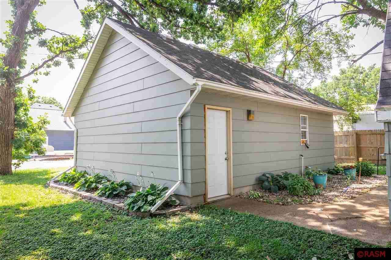 View 21 photos of this 3 bed, 1 bath, and 1,774 sqft. single_family home located at 611 Main St, Good Thunder, Minnesota 56037 is Pending for $112,900.