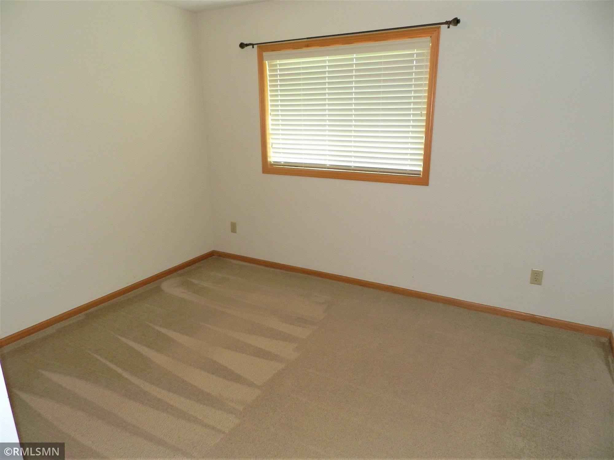 View 12 photos of this 3 bed, 2 bath, and 1,757 sqft. condo home located at 11063 187th Ave NW, Elk River, Minnesota 55330 is Pending for $227,500.