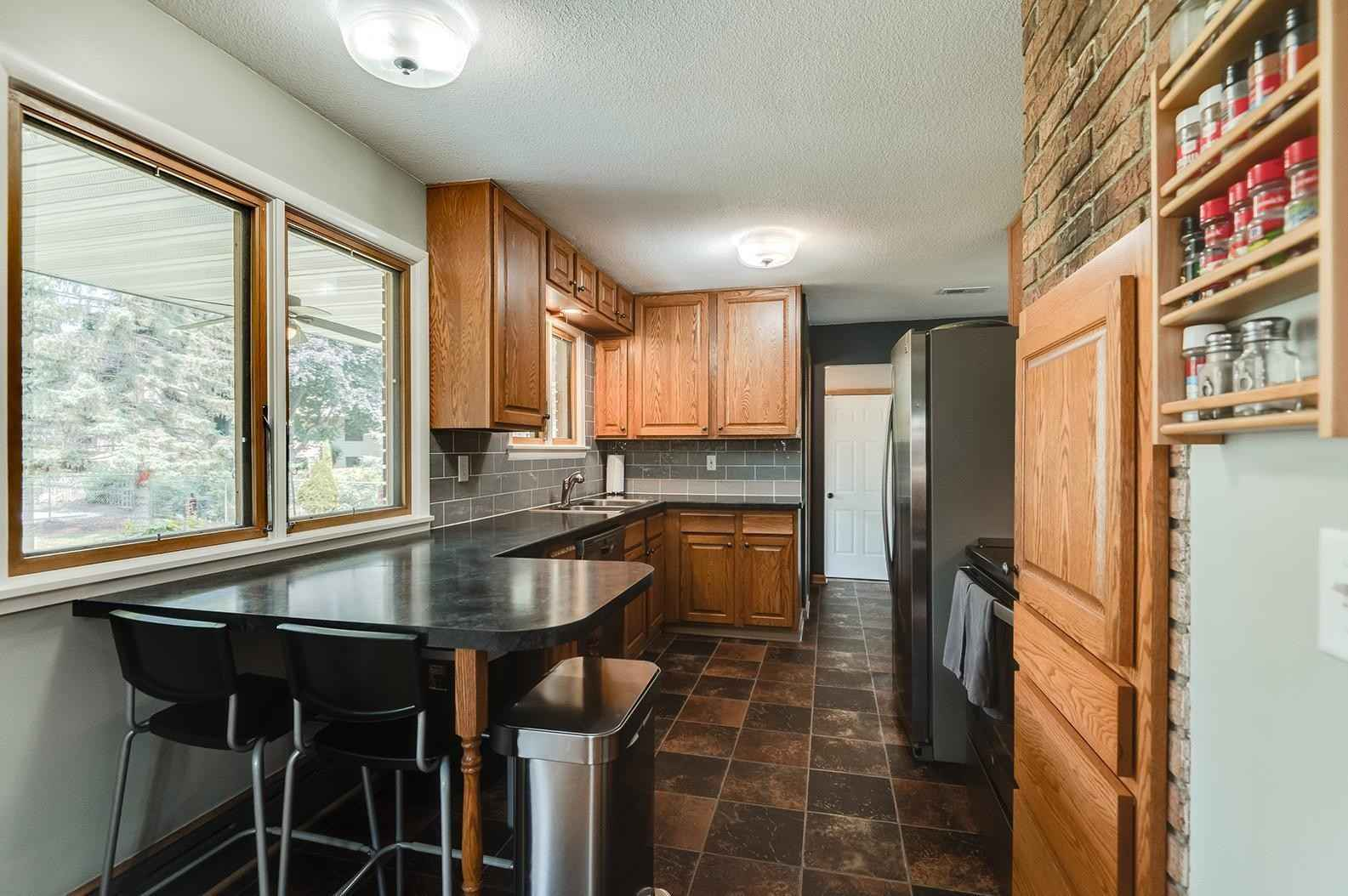 View 55 photos of this 4 bed, 3 bath, and 3,140 sqft. single_family home located at 2099 Theresa St, Mendota Heights, Minnesota 55120 is Pending for $474,900.