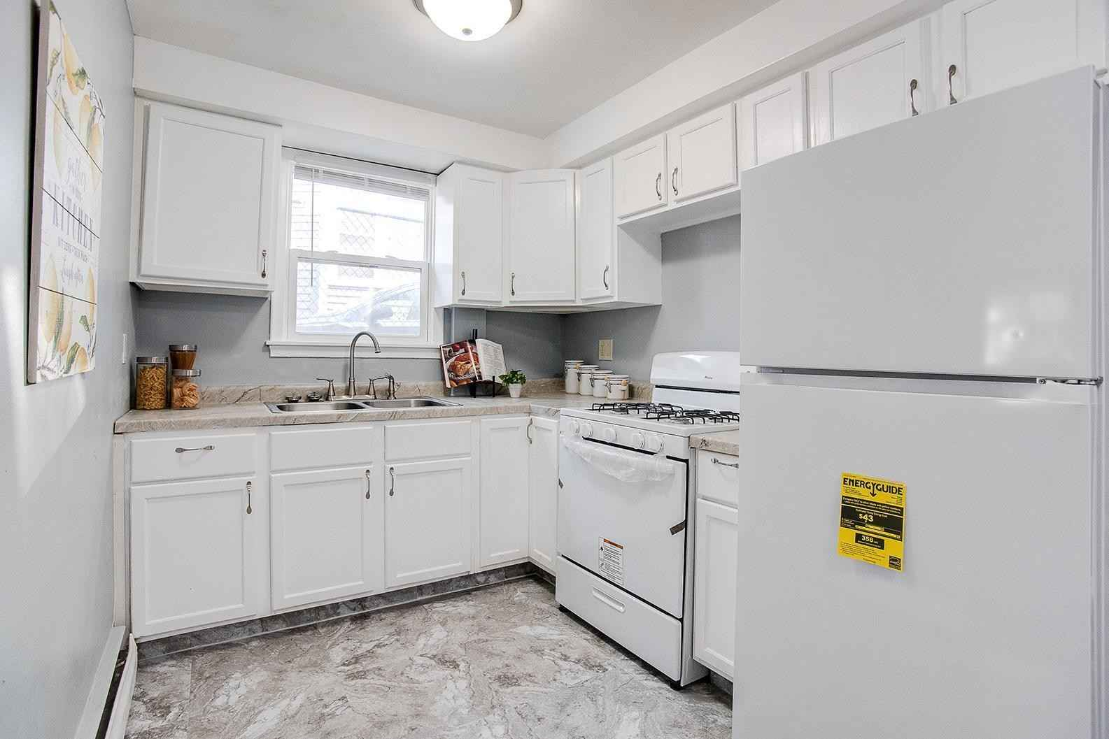 View 12 photos of this 5 bed, 4 bath, and 2,816 sqft. multi_family home located at 914 Burr St, Saint Paul, Minnesota 55130 is Active for $399,900.
