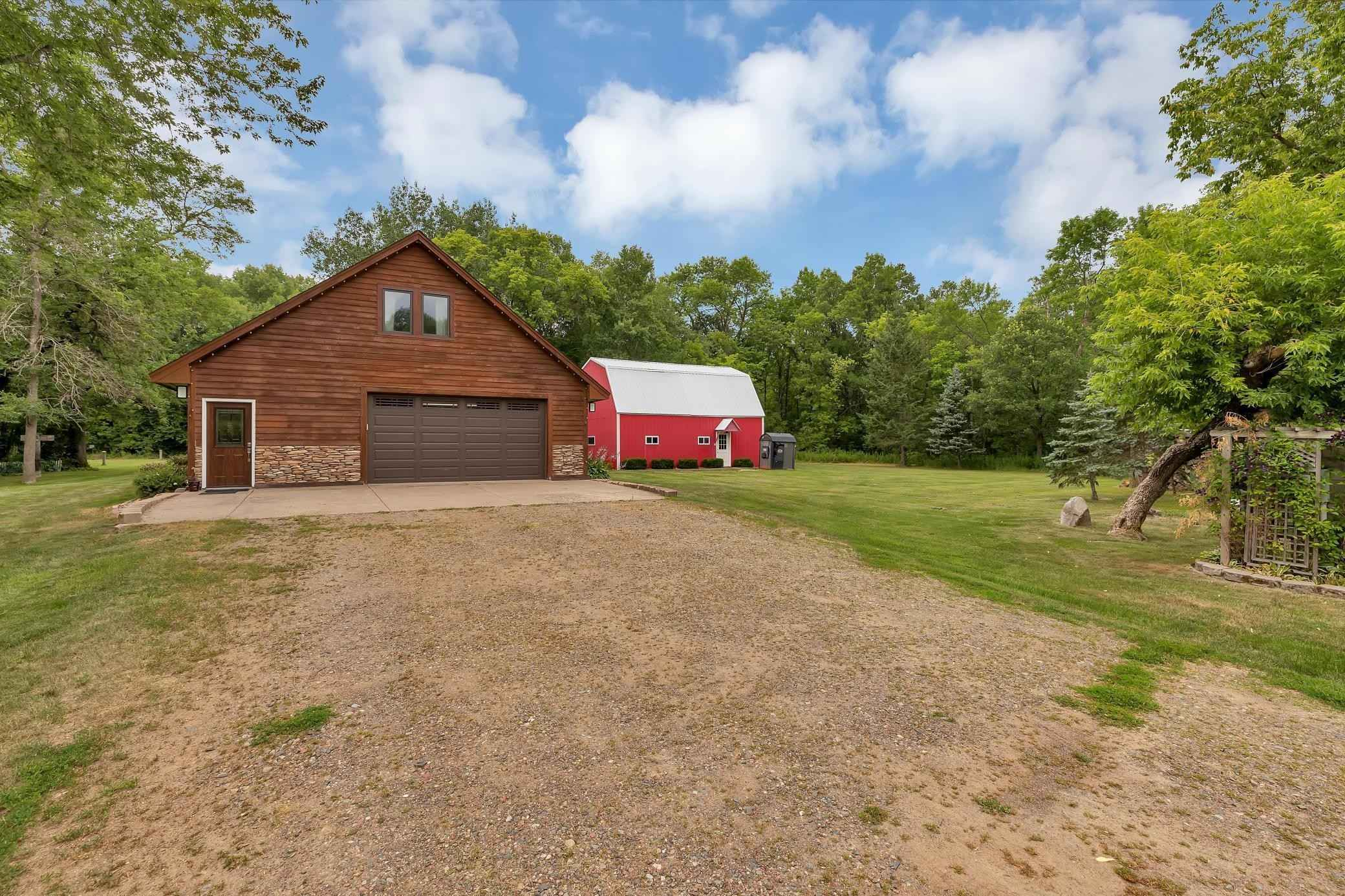 View 66 photos of this 2 bed, 2 bath, and 2,161 sqft. single_family home located at 2463 Ivory St, Mora, Minnesota 55051 is Pending for $425,000.