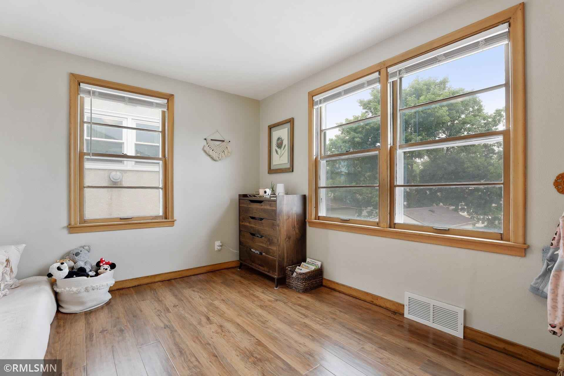 View 39 photos of this 3 bed, 2 bath, and 1,344 sqft. single_family home located at 1796 Hawthorne Ave E, Saint Paul, Minnesota 55119 is Pending for $229,900.