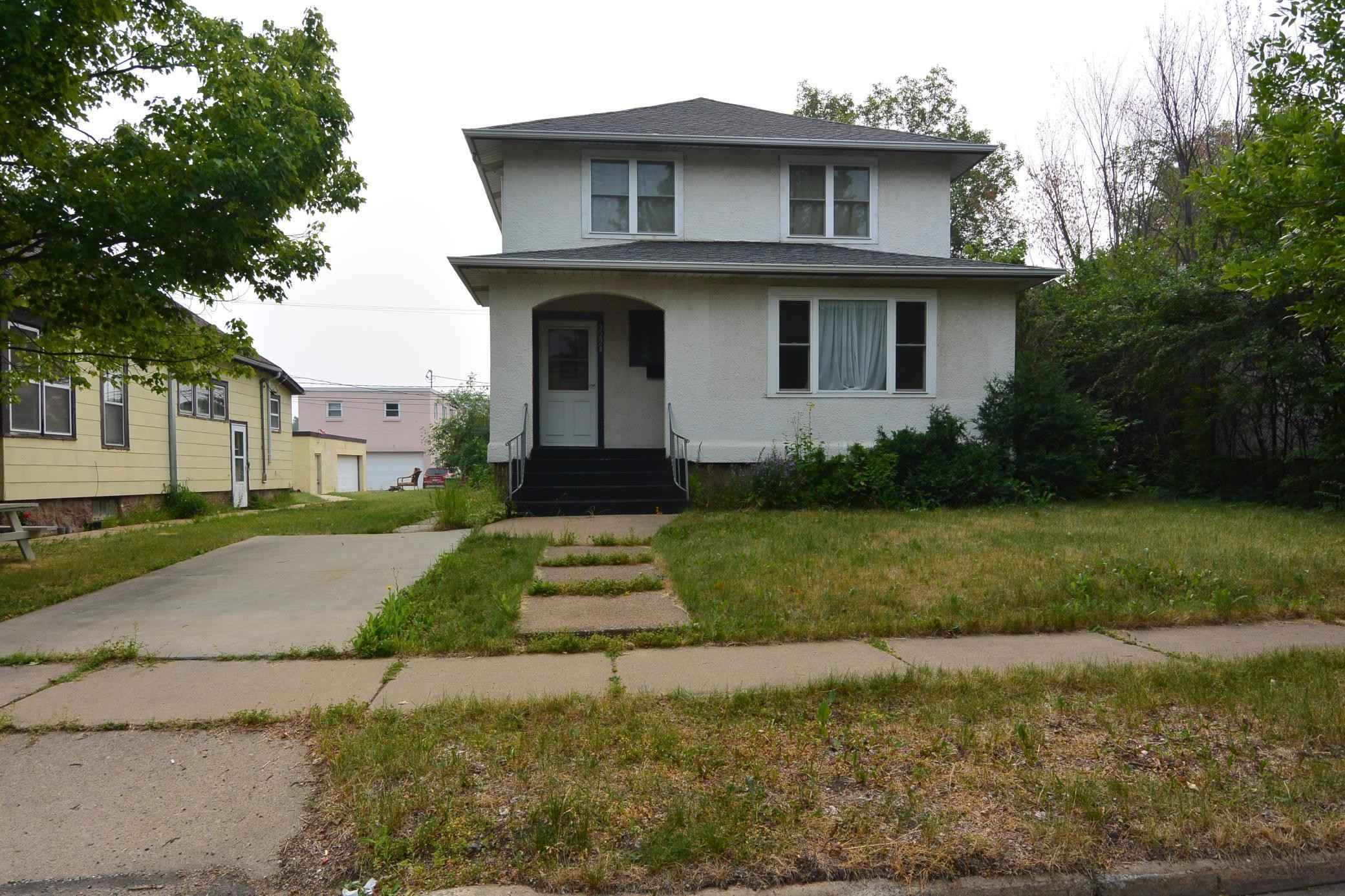 View 21 photos of this 4 bed, 3 bath, and 2,563 sqft. single_family home located at 2224 2nd Ave W, Hibbing, Minnesota 55746 is Pending for $129,900.