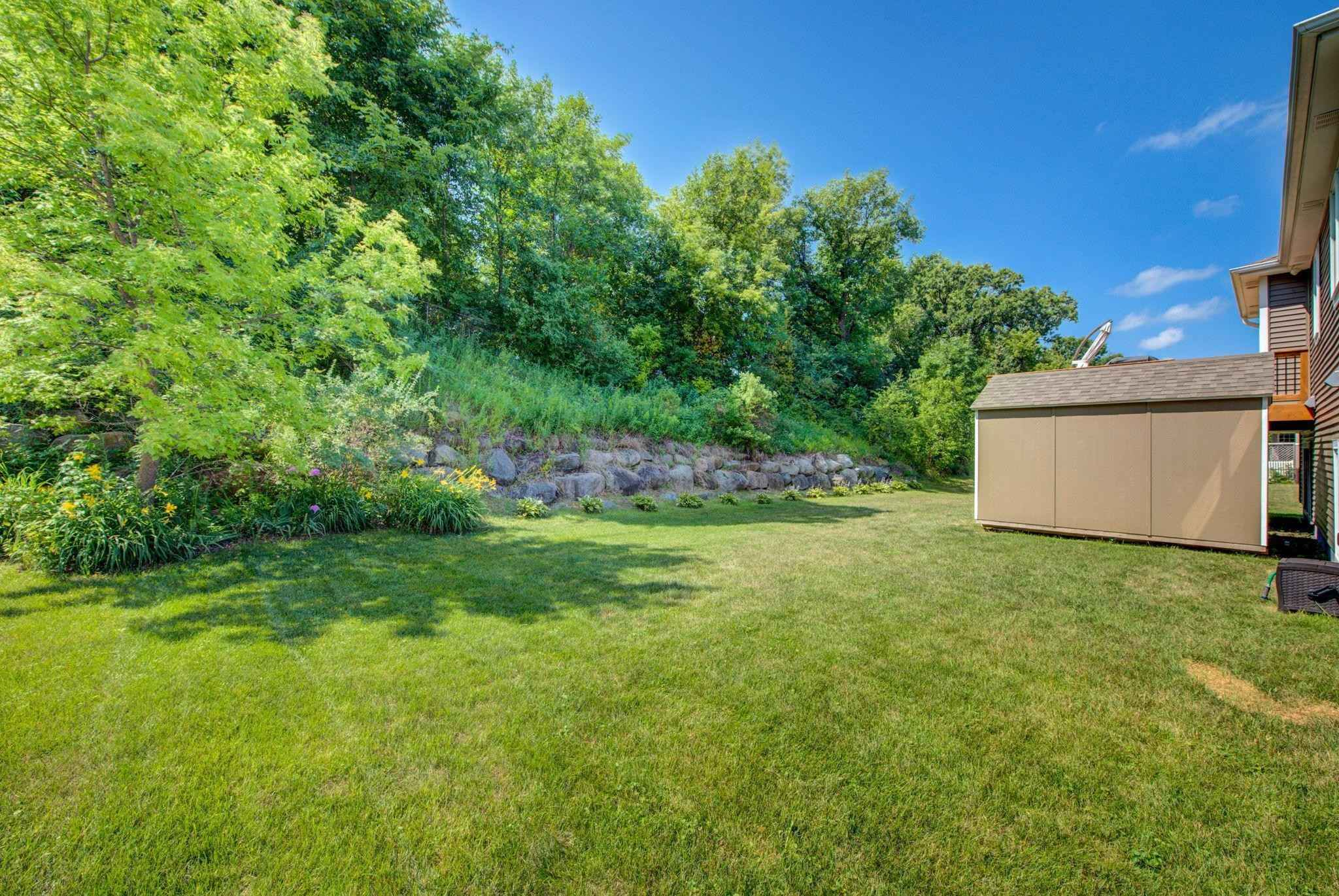 View 21 photos of this 4 bed, 3 bath, and 2,312 sqft. single_family home located at 9089 Fairway Hill Dr, Elko New Market, Minnesota 55020 is Pending for $375,000.