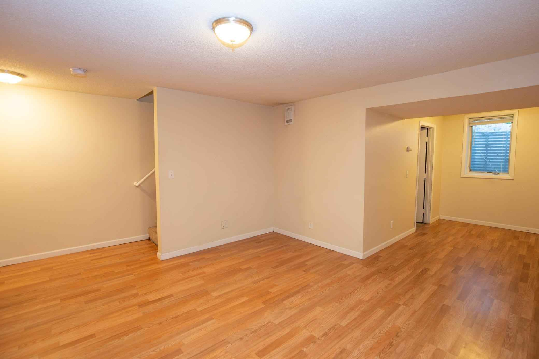 View 22 photos of this 2 bed, 2 bath, and 1,409 sqft. condo home located at 8216 Halifax Ct N, Brooklyn Park, Minnesota 55443 is Pending for $149,900.