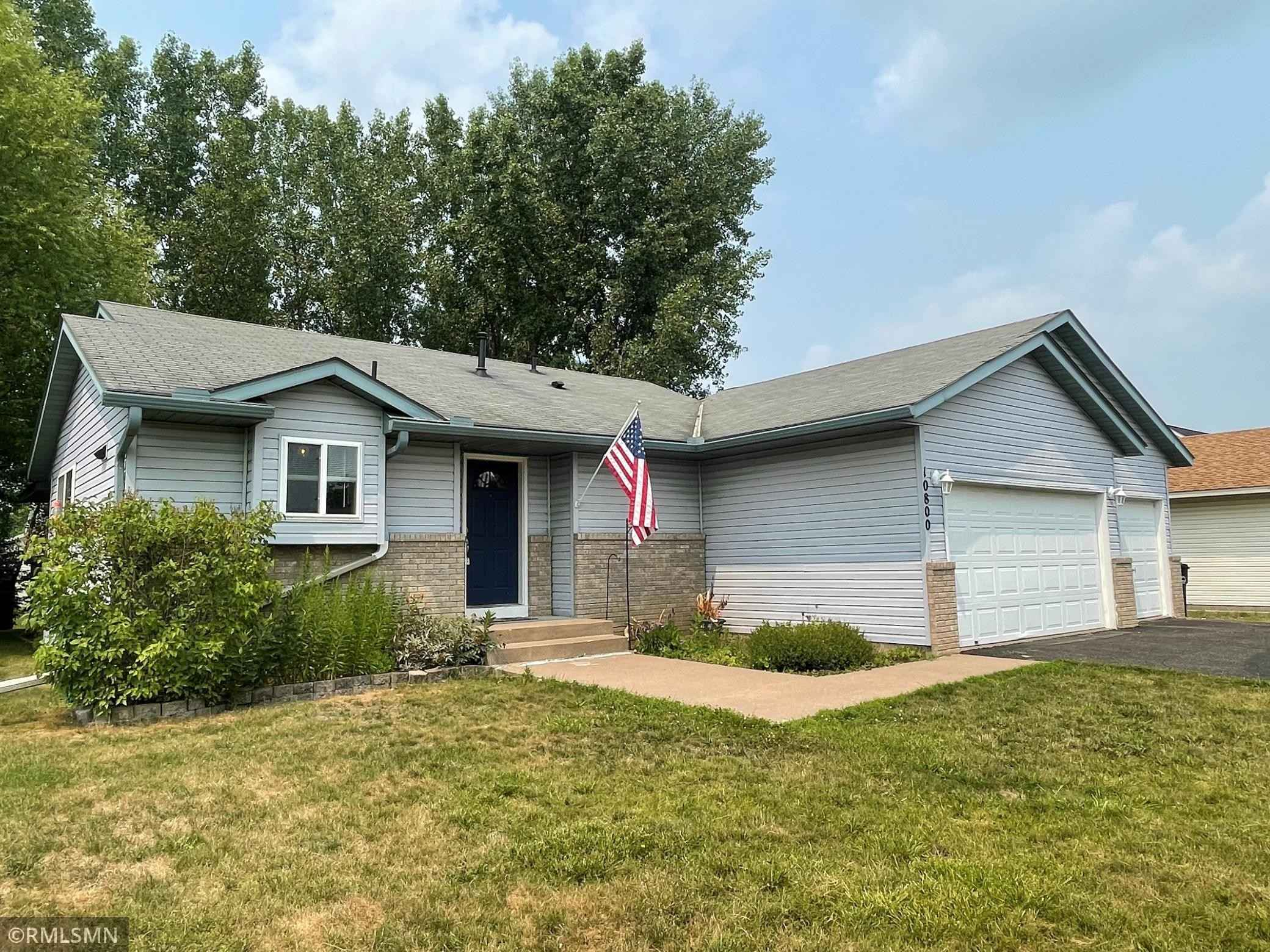 View 22 photos of this 3 bed, 2 bath, and 2,080 sqft. single_family home located at 10800 Matthew Dr, Chisago City, Minnesota 55013 is Active for $289,900.