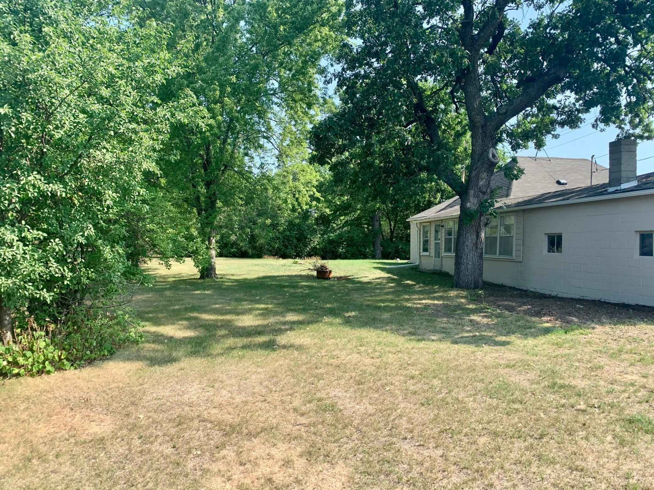 View 22 photos of this 3 bed, 1 bath, and 1,580 sqft. single_family home located at 221 Lake St S, Big Lake, Minnesota 55309 is Active for $199,900.
