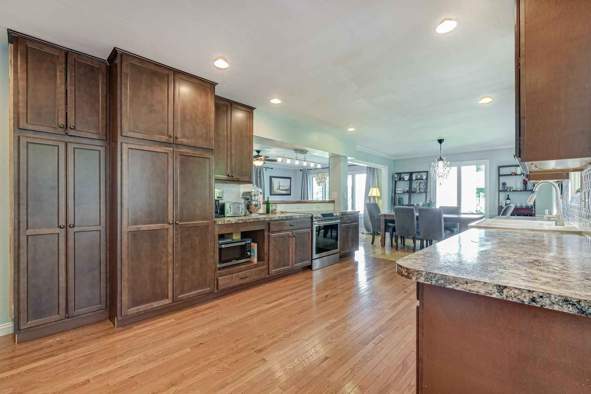 View 67 photos of this 6 bed, 4 bath, and 3,472 sqft. single_family home located at 6533 Limerick Dr, Edina, Minnesota 55439 is Active for $650,000.