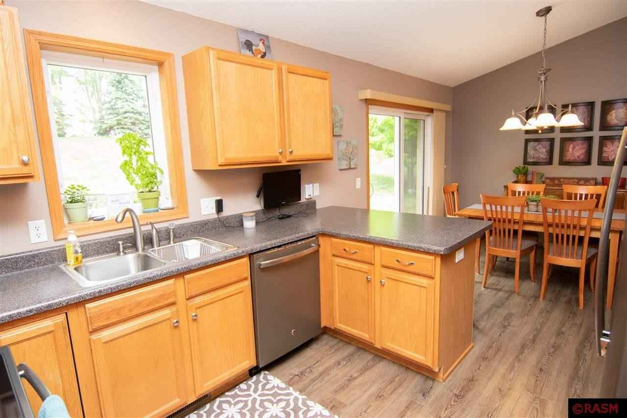 View 33 photos of this 4 bed, 2 bath, and 2,522 sqft. single_family home located at 141 Torrey Pines Ct, Mankato, Minnesota 56001 is Pending for $304,900.