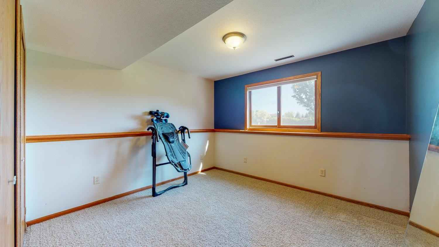 View 34 photos of this 4 bed, 2 bath, and 1,858 sqft. single_family home located at 5867 Eisenhower Dr SE, Rochester, Minnesota 55904 is Pending for $350,000.