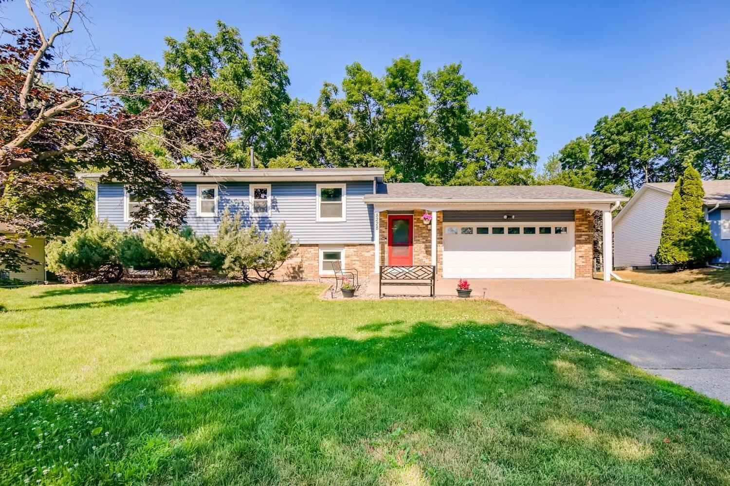 View 27 photos of this 4 bed, 2 bath, and 2,025 sqft. single_family home located at 8228 Foothill Rd S, Cottage Grove, Minnesota 55016 is Active for $335,000.