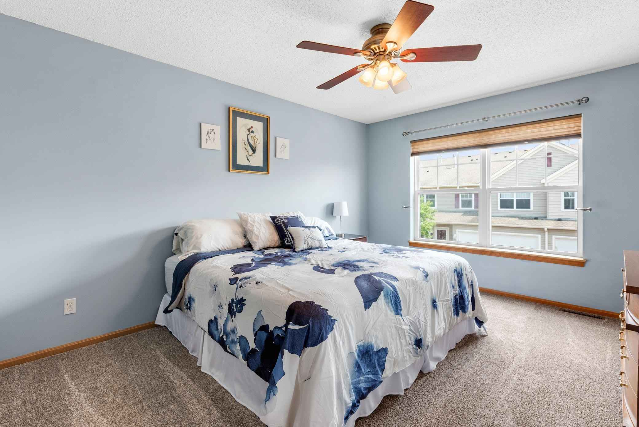 View 23 photos of this 3 bed, 3 bath, and 1,405 sqft. condo home located at 9060 Holly Ln N, Maple Grove, Minnesota 55311 is Pending for $249,900.