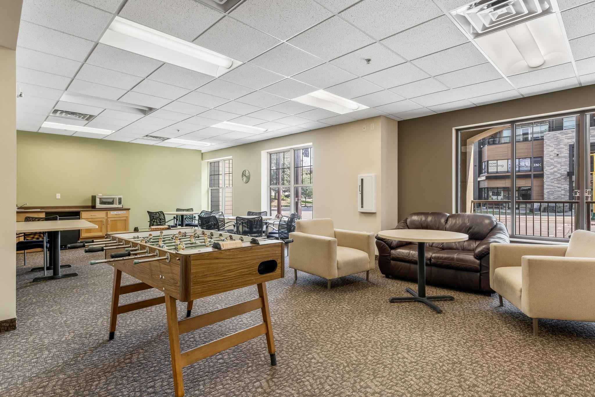 View 19 photos of this 2 bed, 1 bath, and 805 sqft. condo home located at 2900 University Ave SE Apt 311, Minneapolis, Minnesota 55414 is Active for $210,000.