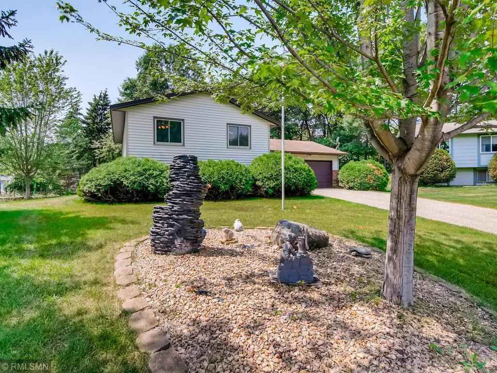 View 27 photos of this 3 bed, 2 bath, and 2,072 sqft. single_family home located at 2510 Cochrane Ct, Woodbury, Minnesota 55125 is Pending for $330,000.