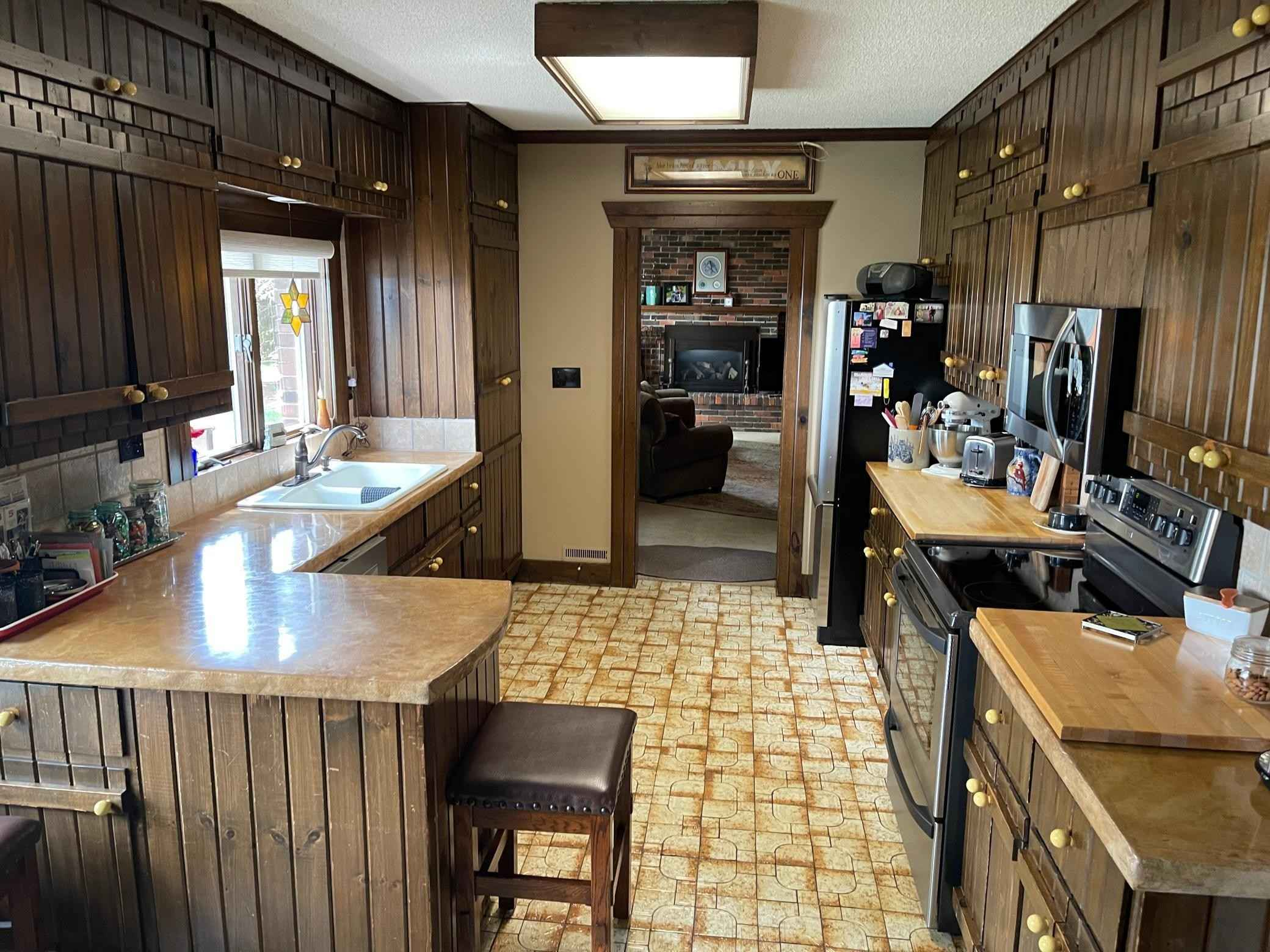 View 41 photos of this 3 bed, 2 bath, and 1,896 sqft. single_family home located at 2381 County Road 7, Marshall, Minnesota 56258 is Active for $275,000.