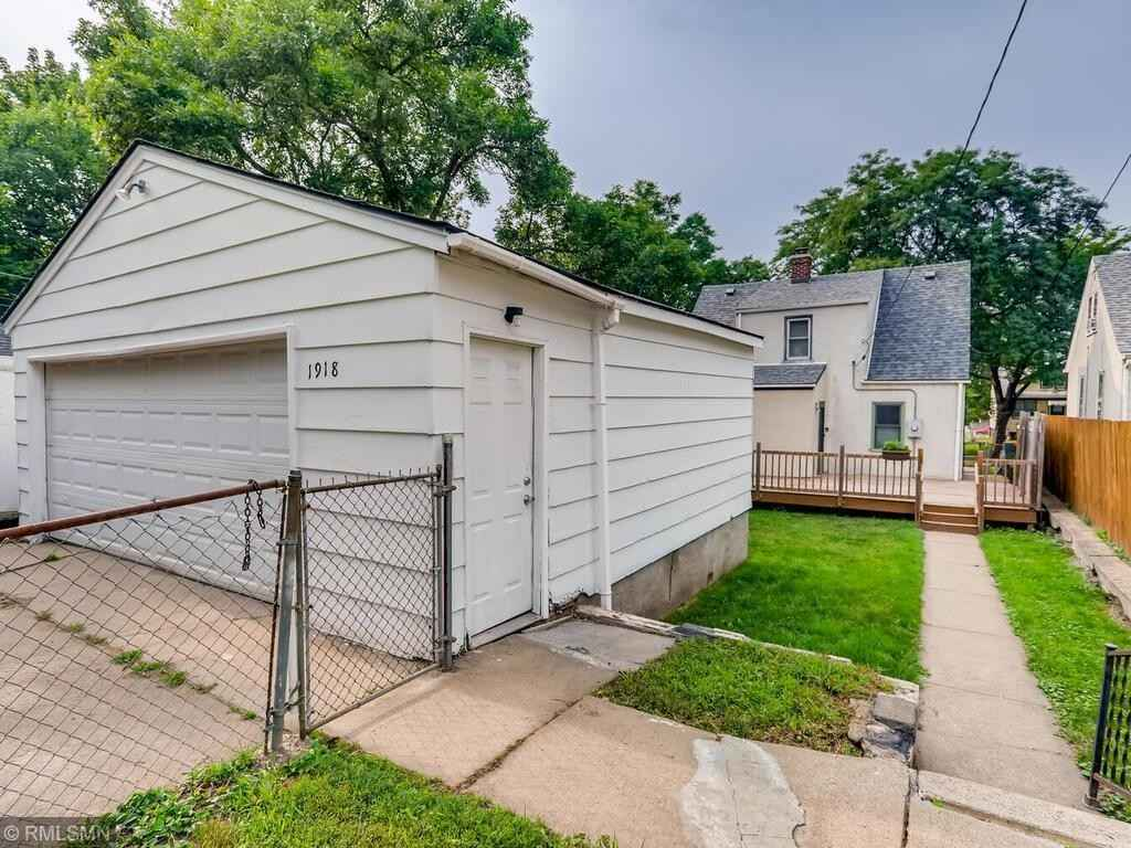 View 27 photos of this 3 bed, 2 bath, and 1,415 sqft. single_family home located at 1918 Sherwood Ave, Saint Paul, Minnesota 55119 is Pending for $249,900.