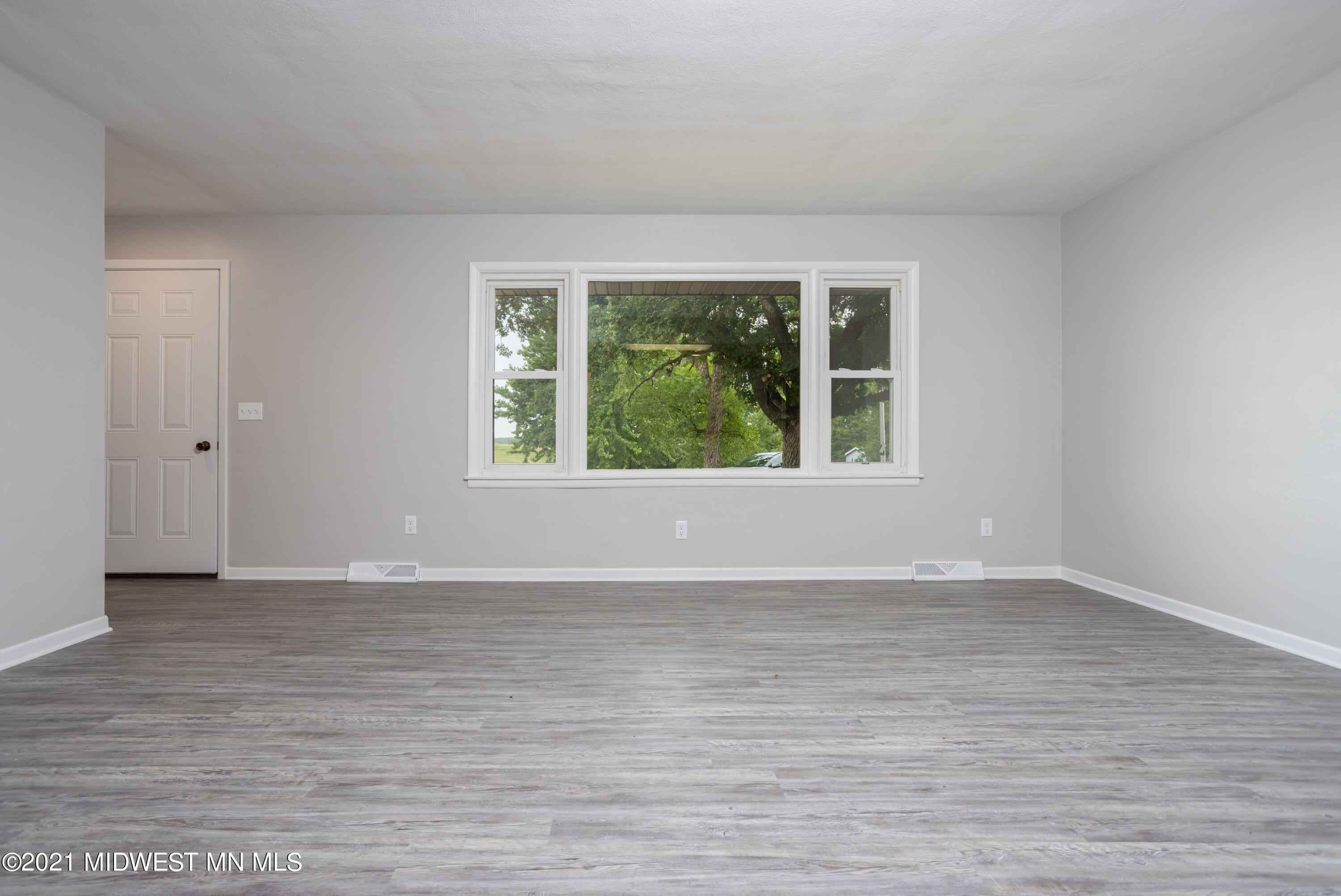View 23 photos of this 2 bed, 1 bath, and 1,082 sqft. single_family home located at 24966 181st Ave, Fergus Falls, Minnesota 56537 is Pending for $199,900.