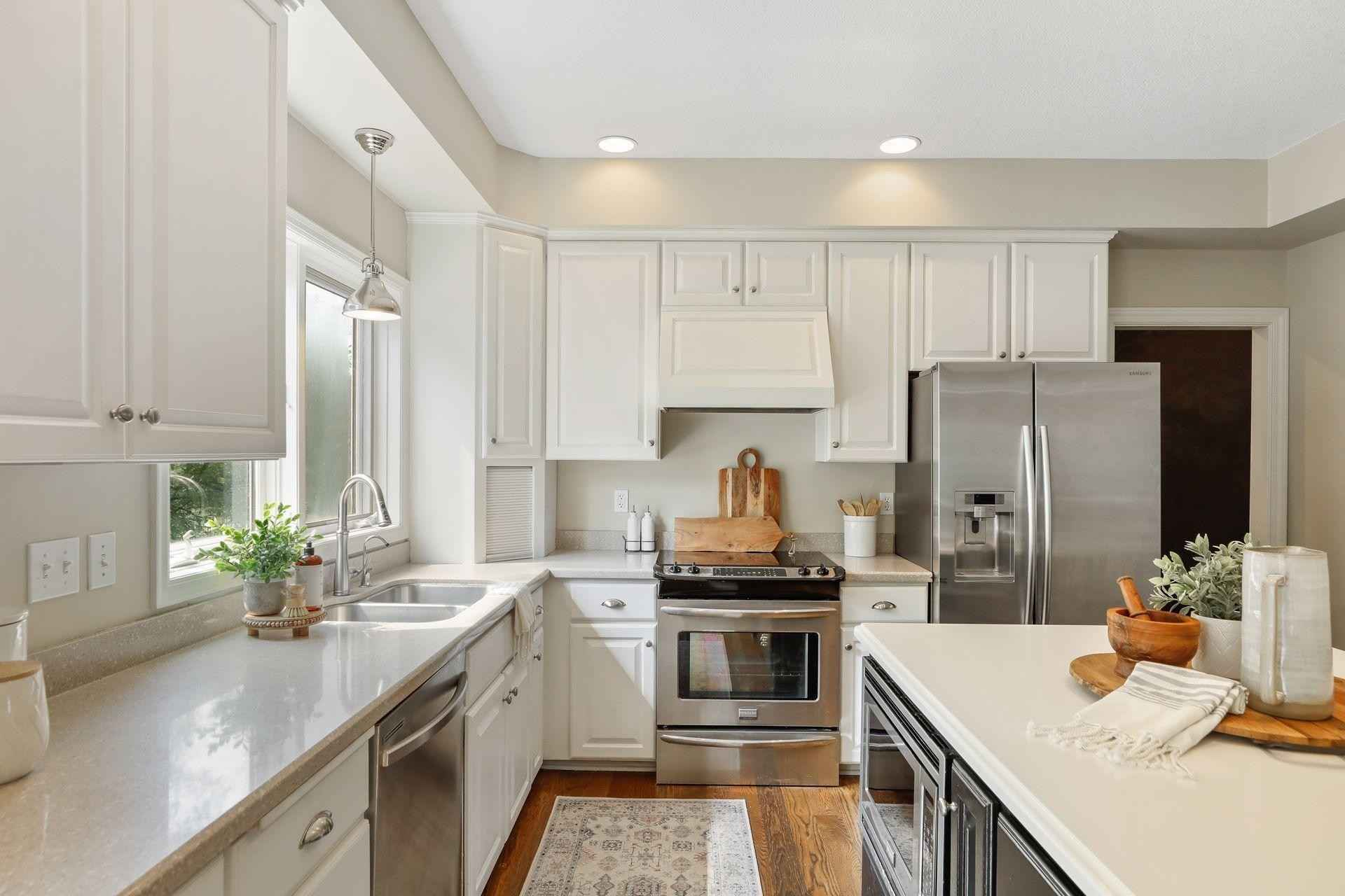 View 71 photos of this 4 bed, 4 bath, and 3,605 sqft. single_family home located at 3554 Williamsburg Pkwy, Woodbury, Minnesota 55129 is Active for $550,000.