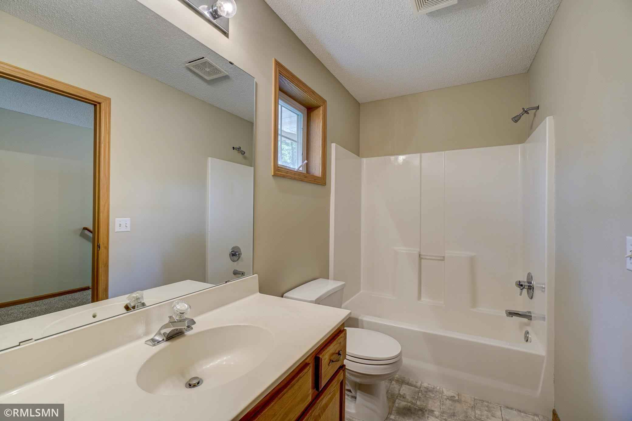 View 20 photos of this 2 bed, 3 bath, and 1,568 sqft. condo home located at 6075 Courtly Alcove Unit C, Woodbury, Minnesota 55125 is Pending for $265,000.