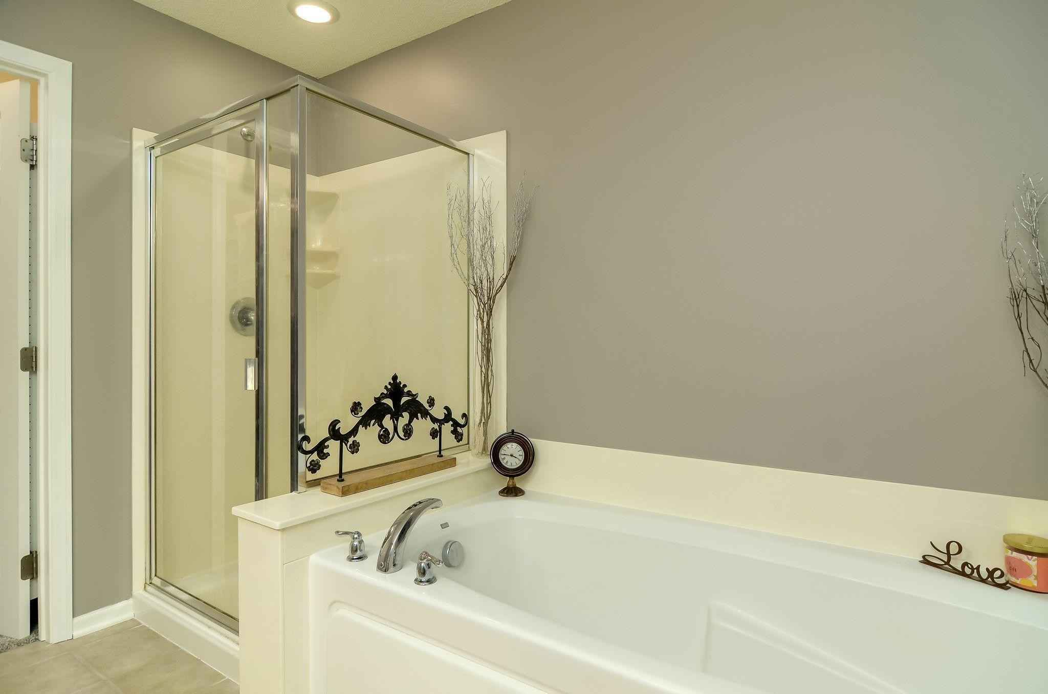View 22 photos of this 3 bed, 3 bath, and 1,868 sqft. condo home located at 1948 Commonwealth Blvd Unit 8, Chanhassen, Minnesota 55317 is Pending for $320,000.