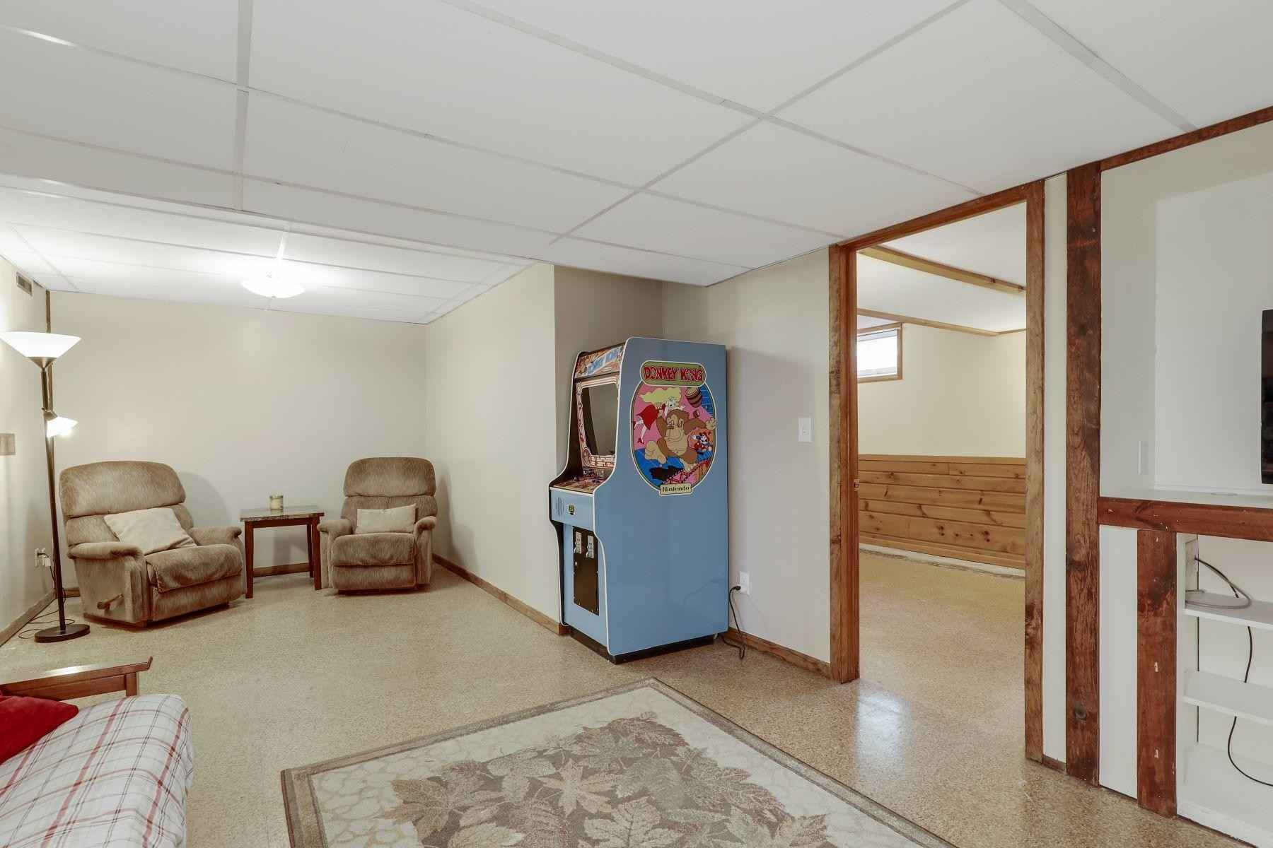 View 33 photos of this 3 bed, 2 bath, and 1,840 sqft. single_family home located at 8124 32nd Ave N, Crystal, Minnesota 55427 is Active for $315,000.