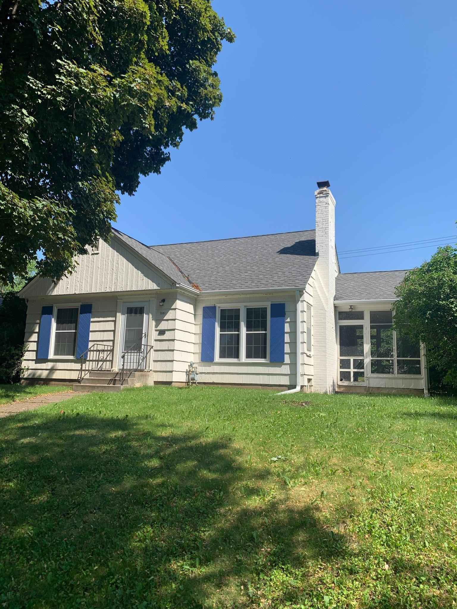 View 1 photos of this 3 bed, 2 bath, and 1,506 sqft. single_family home located at 1831 Montreal Ave, Saint Paul, Minnesota 55116 is Active for $350,000.