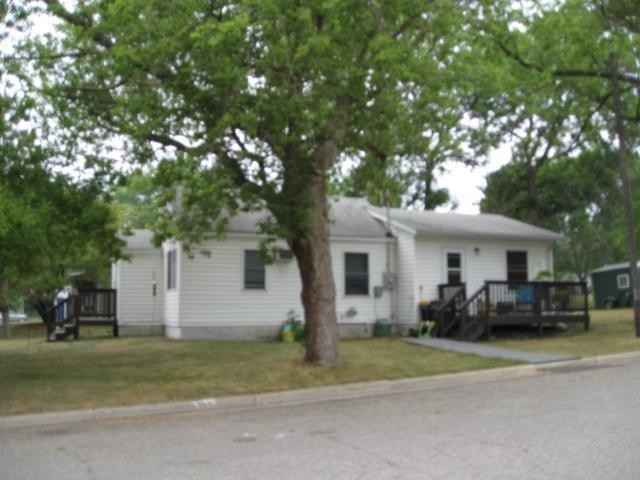 View 9 photos of this 2 bed, 1 bath, and 720 sqft. single_family home located at 310 E Broadway St, Starbuck, Minnesota 56381 is Active for $59,900.