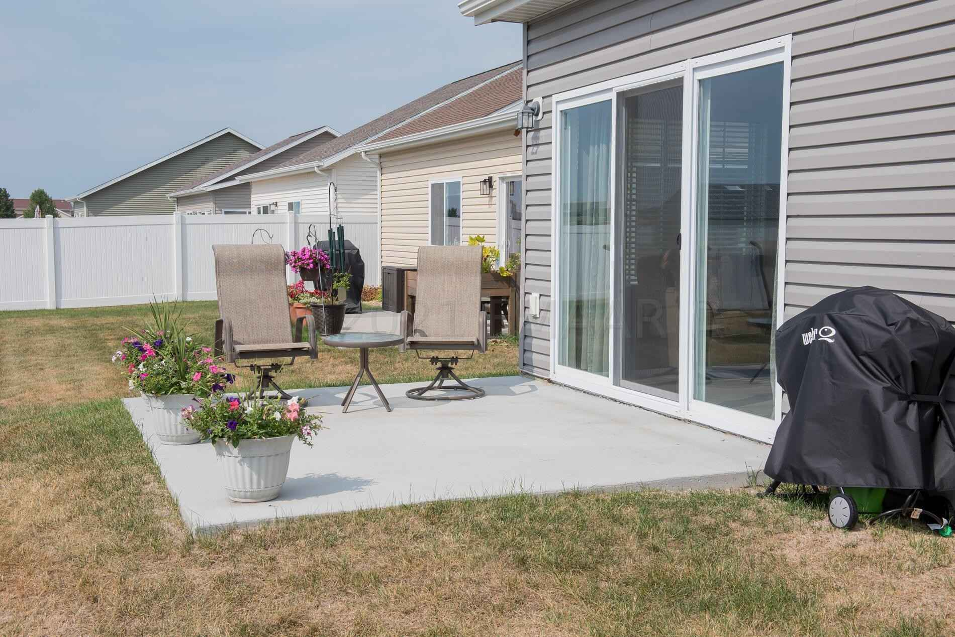 View 49 photos of this 2 bed, 2 bath, and 1,670 sqft. condo home located at 3717 34th St S, Moorhead, Minnesota 56560 is Active for $272,900.