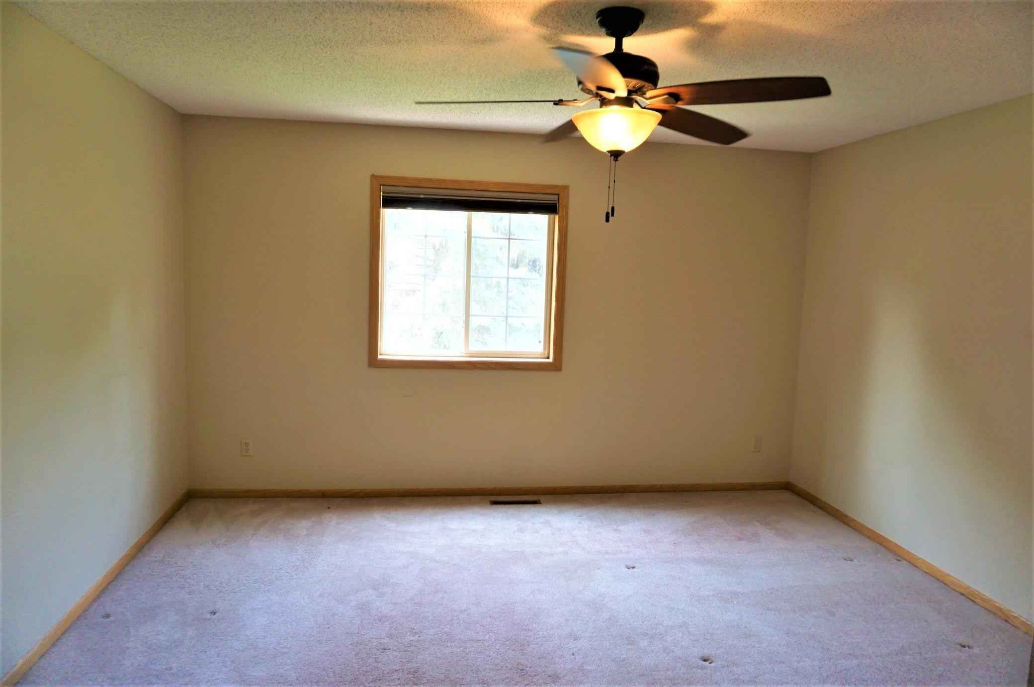 View 20 photos of this 2 bed, 2 bath, and 1,406 sqft. condo home located at 8924 Spring Ln, Woodbury, Minnesota 55125 is Pending for $269,900.