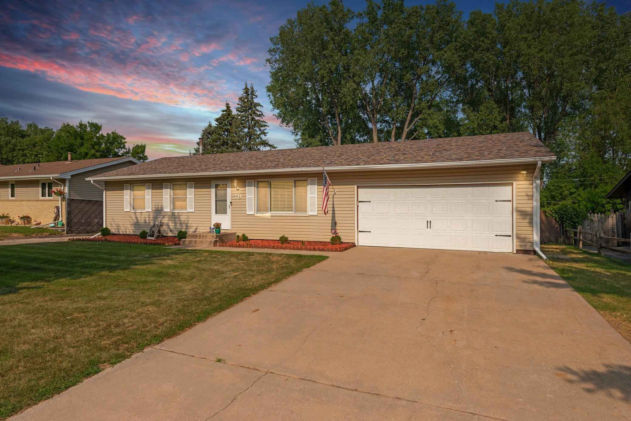 View 29 photos of this 4 bed, 2 bath, and 2,080 sqft. single_family home located at 79 13th Ave SW, New Brighton, Minnesota 55112 is Active for $400,000.