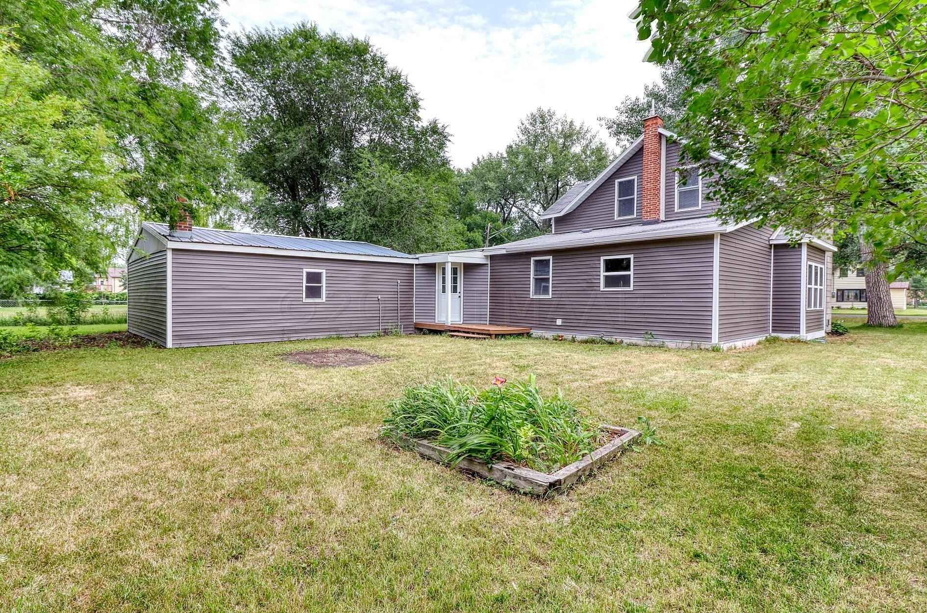 View 43 photos of this 4 bed, 2 bath, and 1,700 sqft. single_family home located at 517 Eglon Ave S, Glyndon, Minnesota 56547 is Active for $210,000.