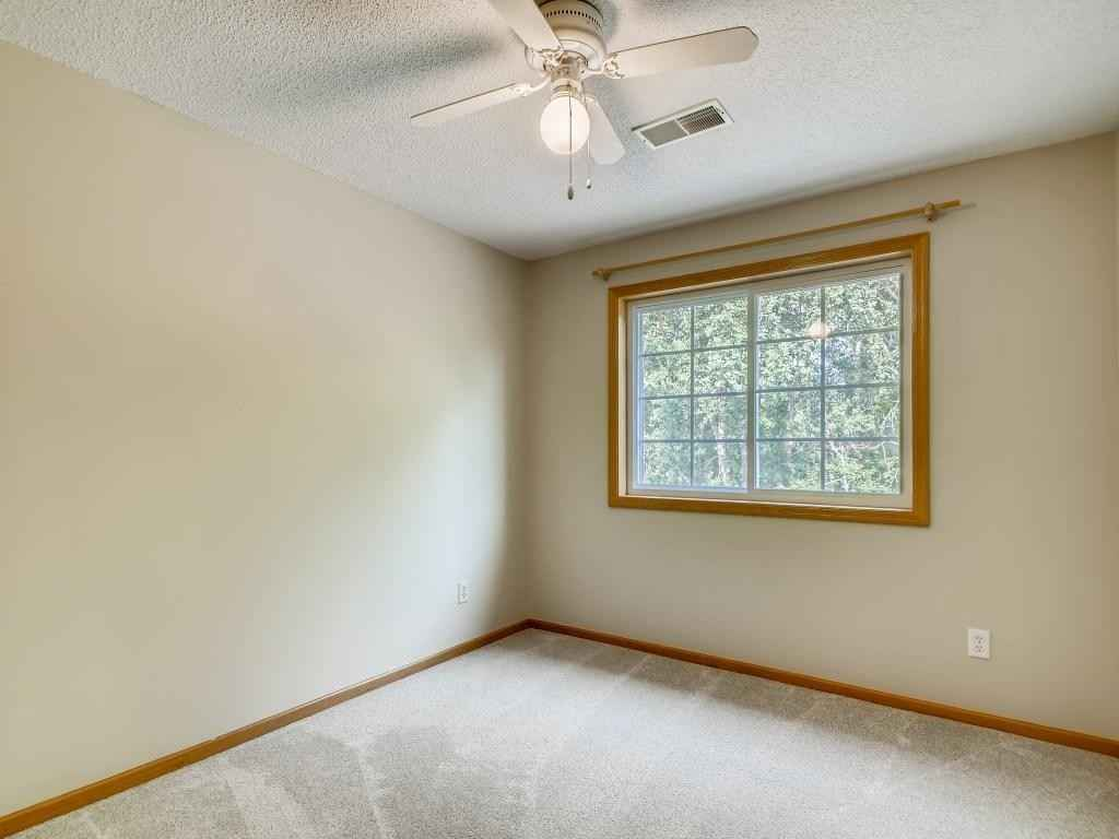 View 34 photos of this 3 bed, 2 bath, and 1,316 sqft. condo home located at 985 106th Ln NW Apt 53, Coon Rapids, Minnesota 55433 is Active for $229,900.