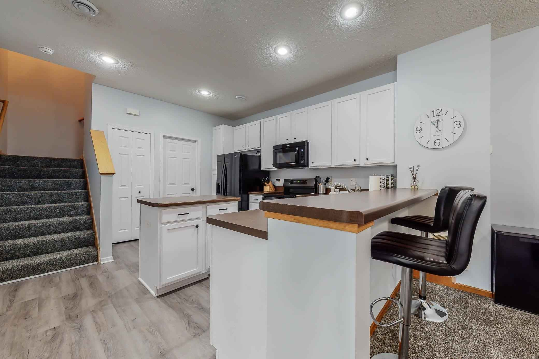 View 21 photos of this 2 bed, 2 bath, and 1,379 sqft. condo home located at 4833 Bisset Ln Unit 8103, Inver Grove Heights, Minnesota 55076 is Active for $230,000.