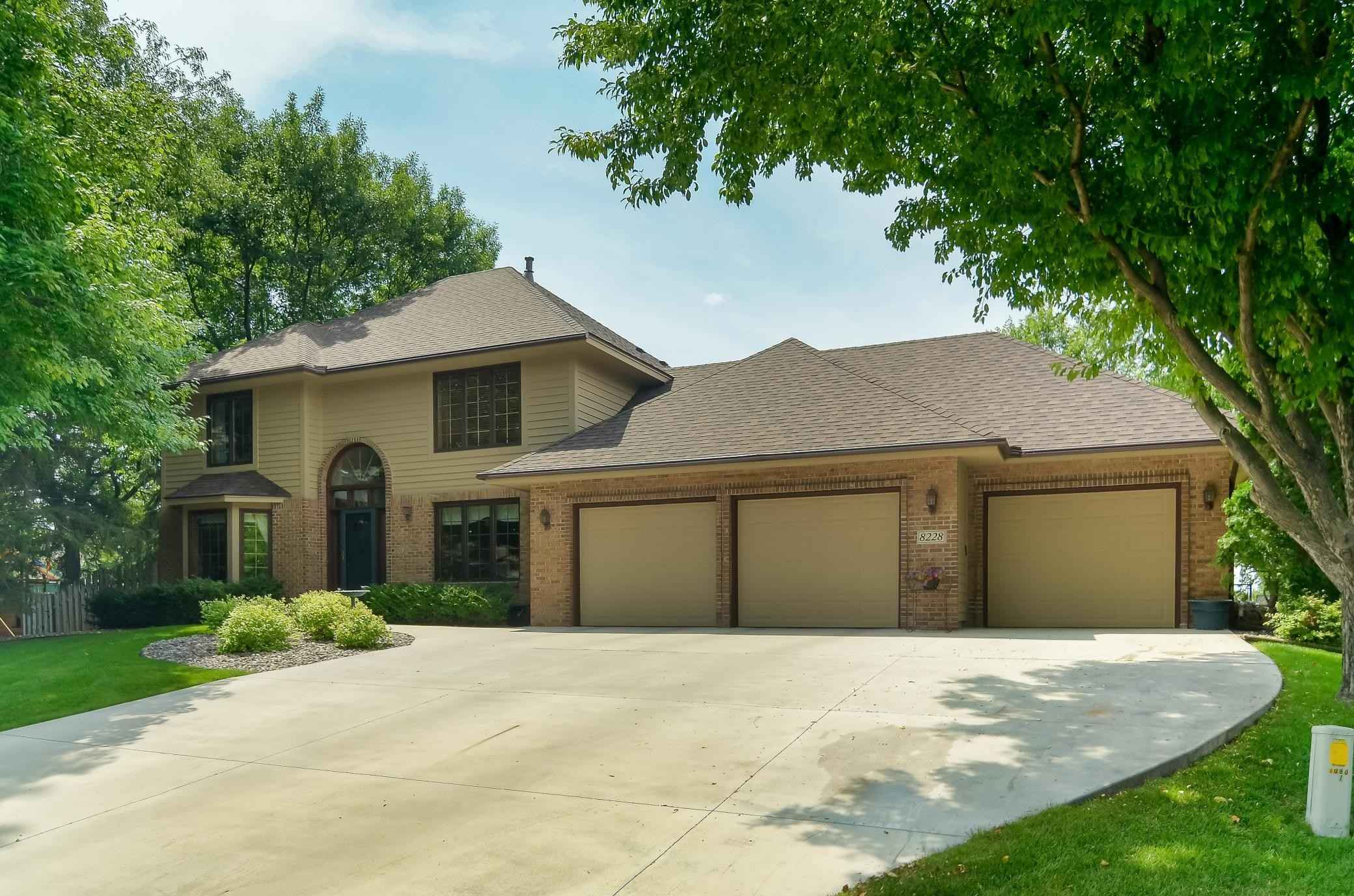 View 40 photos of this 5 bed, 4 bath, and 3,956 sqft. single_family home located at 8228 Revelwood Pl, Maple Grove, Minnesota 55311 is Active for $575,000.