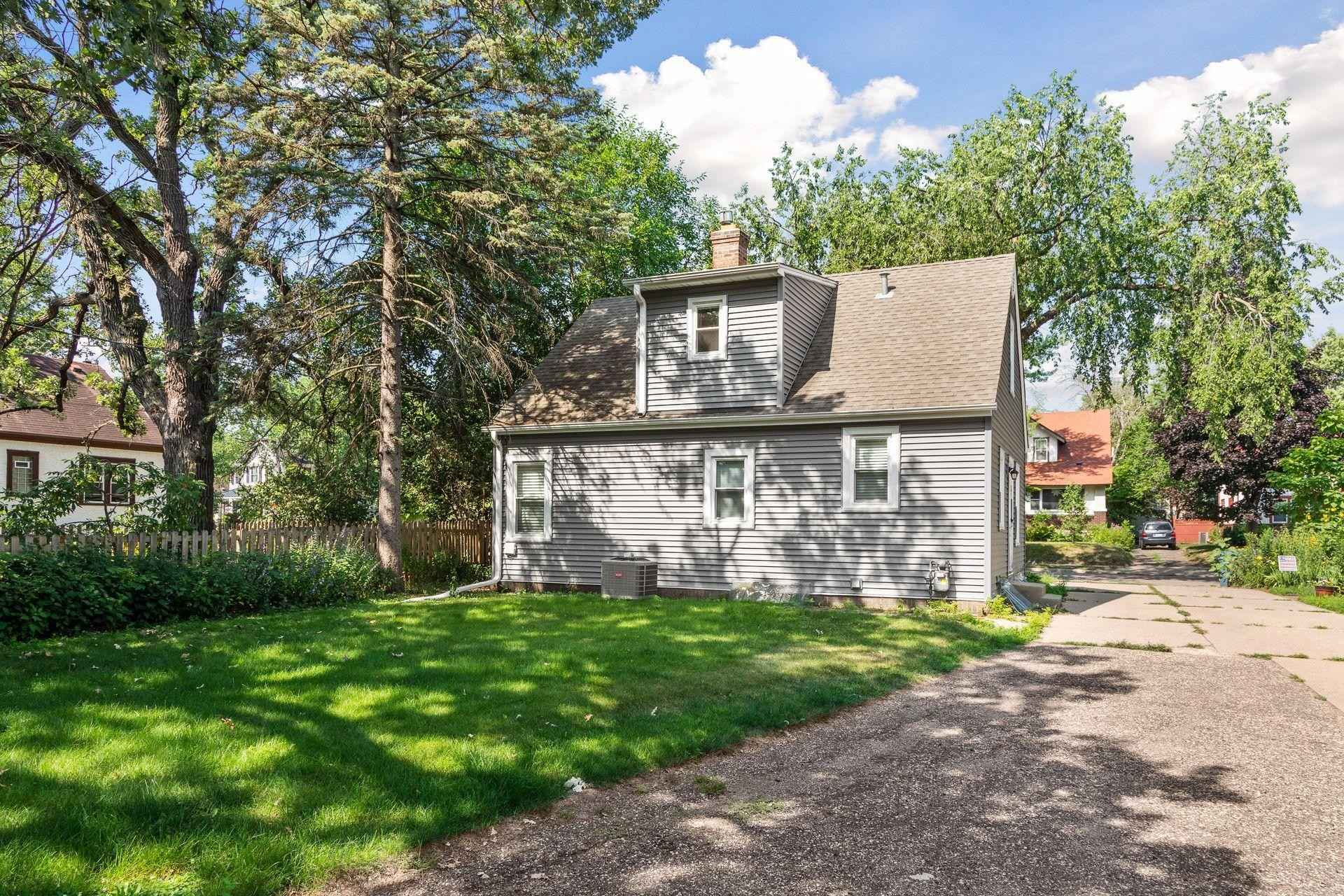 View 22 photos of this 2 bed, 2 bath, and 1,601 sqft. single_family home located at 4833 Nokomis Ave, Minneapolis, Minnesota 55417 is Active for $325,000.