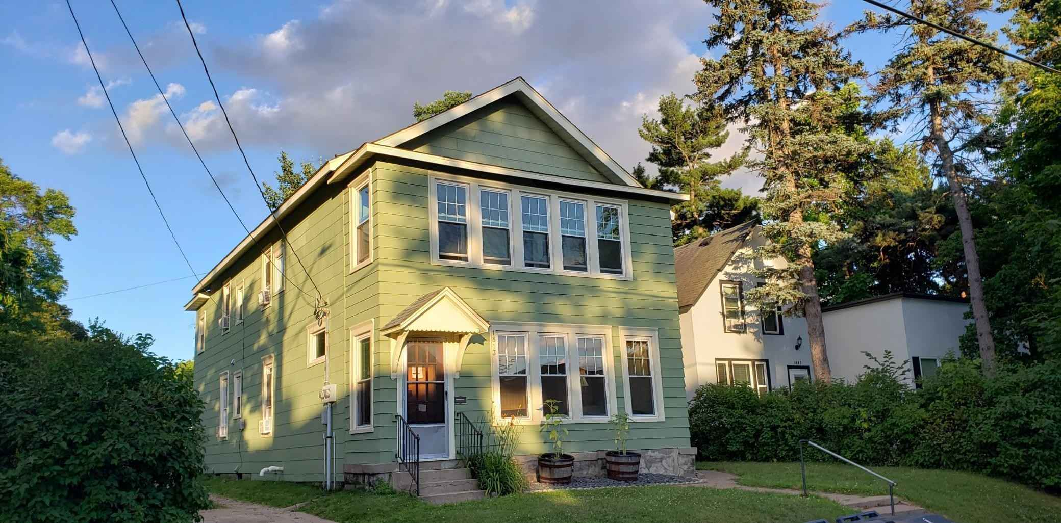 View 20 photos of this 4 bed, 2 bath, and 2,200 sqft. multi_family home located at 1813 4th St NE, Minneapolis, Minnesota 55418 is Pending for $395,000.