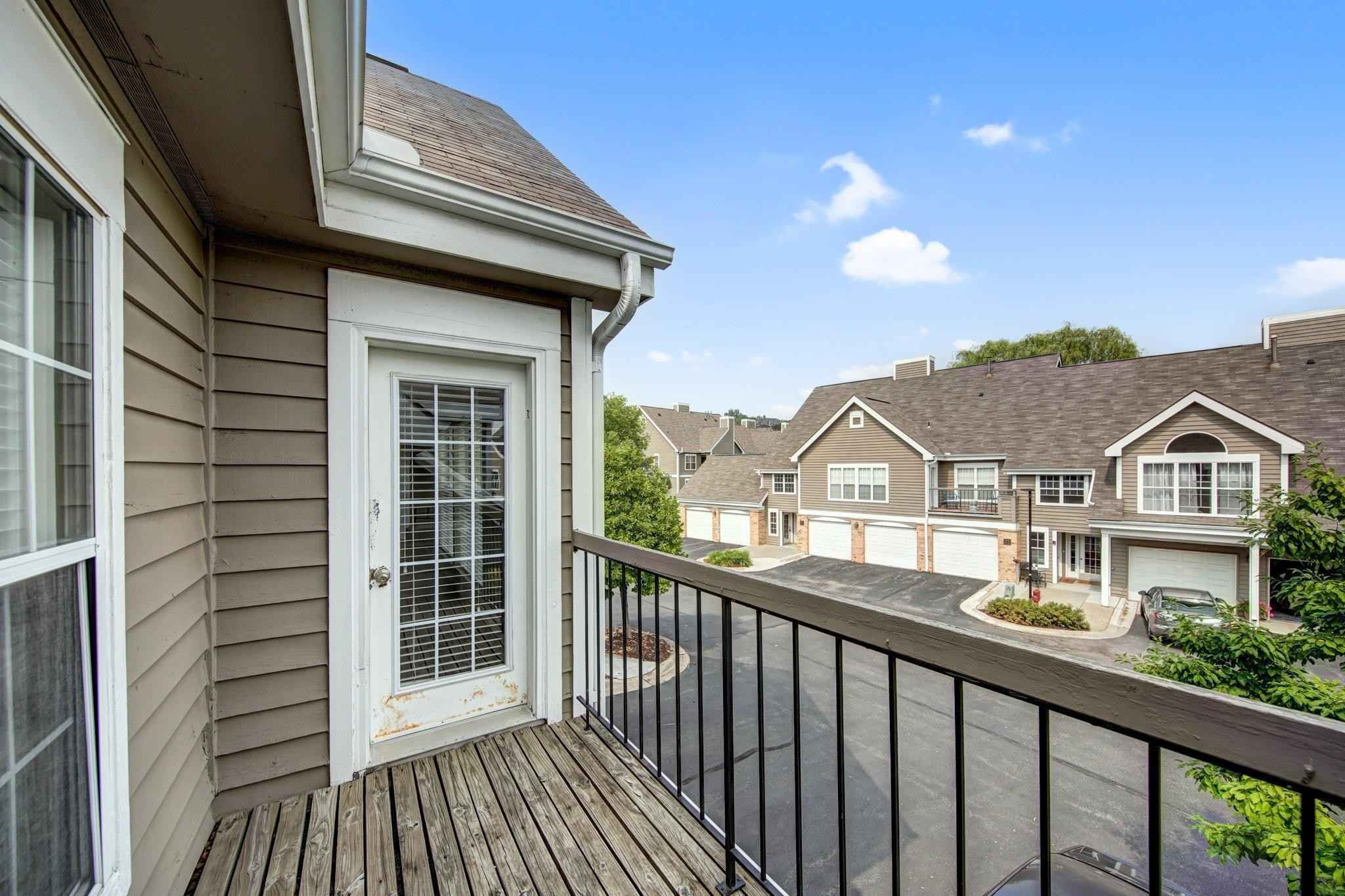 View 24 photos of this 1 bed, 1 bath, and 800 sqft. condo home located at 6040 Chasewood Pkwy Apt 203, Minnetonka, Minnesota 55343 is Active for $169,900.