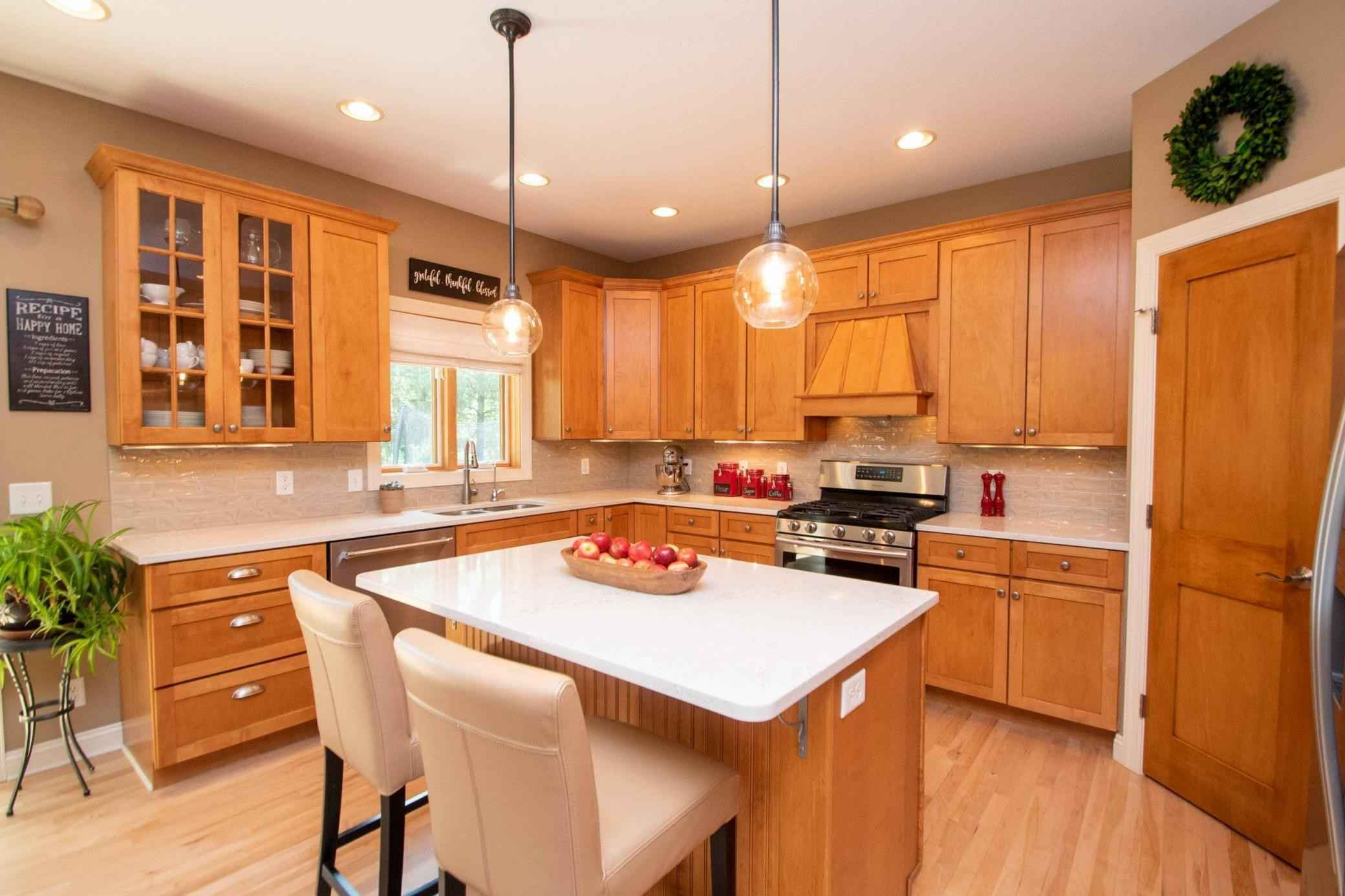 View 39 photos of this 3 bed, 3 bath, and 2,713 sqft. single_family home located at 4695 Fern St, Maple Plain, Minnesota 55359 is Pending for $480,000.