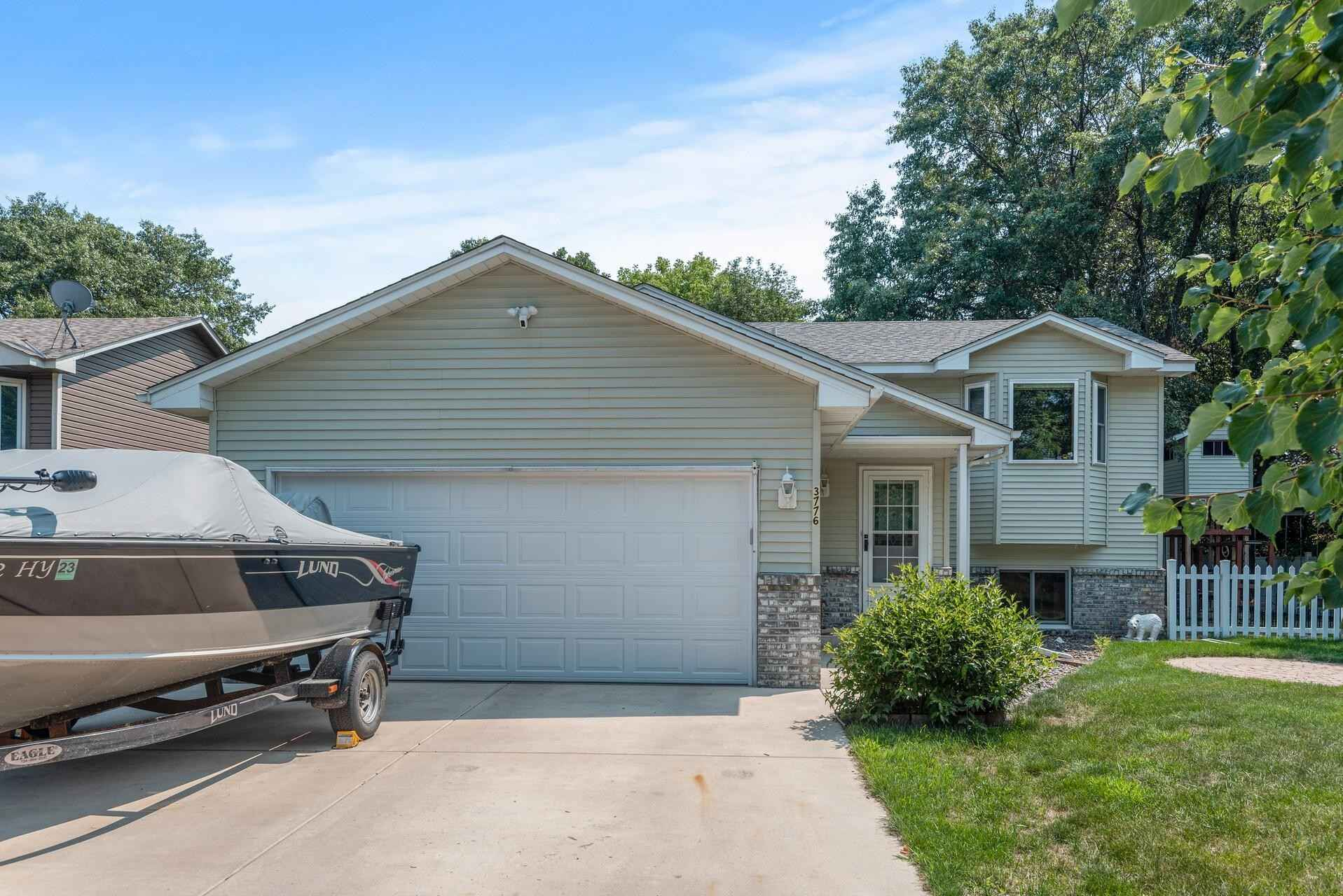 View 22 photos of this 4 bed, 2 bath, and 1,816 sqft. single_family home located at 3776 97th Ct NE, Circle Pines, Minnesota 55014 is Pending for $365,000.