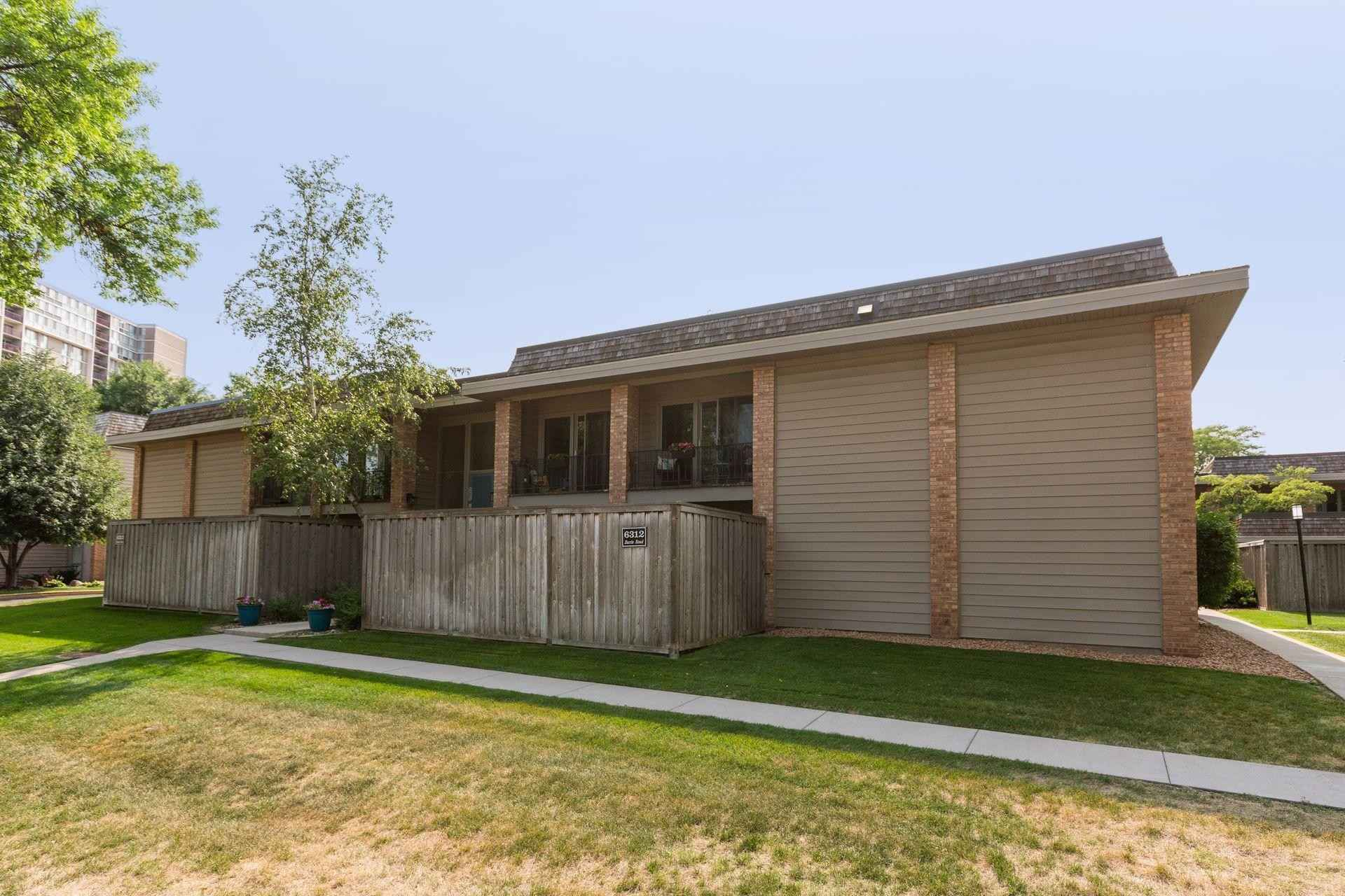 View 20 photos of this 2 bed, 2 bath, and 1,040 sqft. condo home located at 6312 Barrie Rd Apt 2B, Edina, Minnesota 55435 is Active for $214,900.