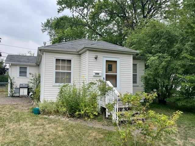 View 11 photos of this 2 bed, 1 bath, and 900 sqft. single_family home located at 4123 Beard Ave N, Robbinsdale, Minnesota 55422 is Active for $189,000.