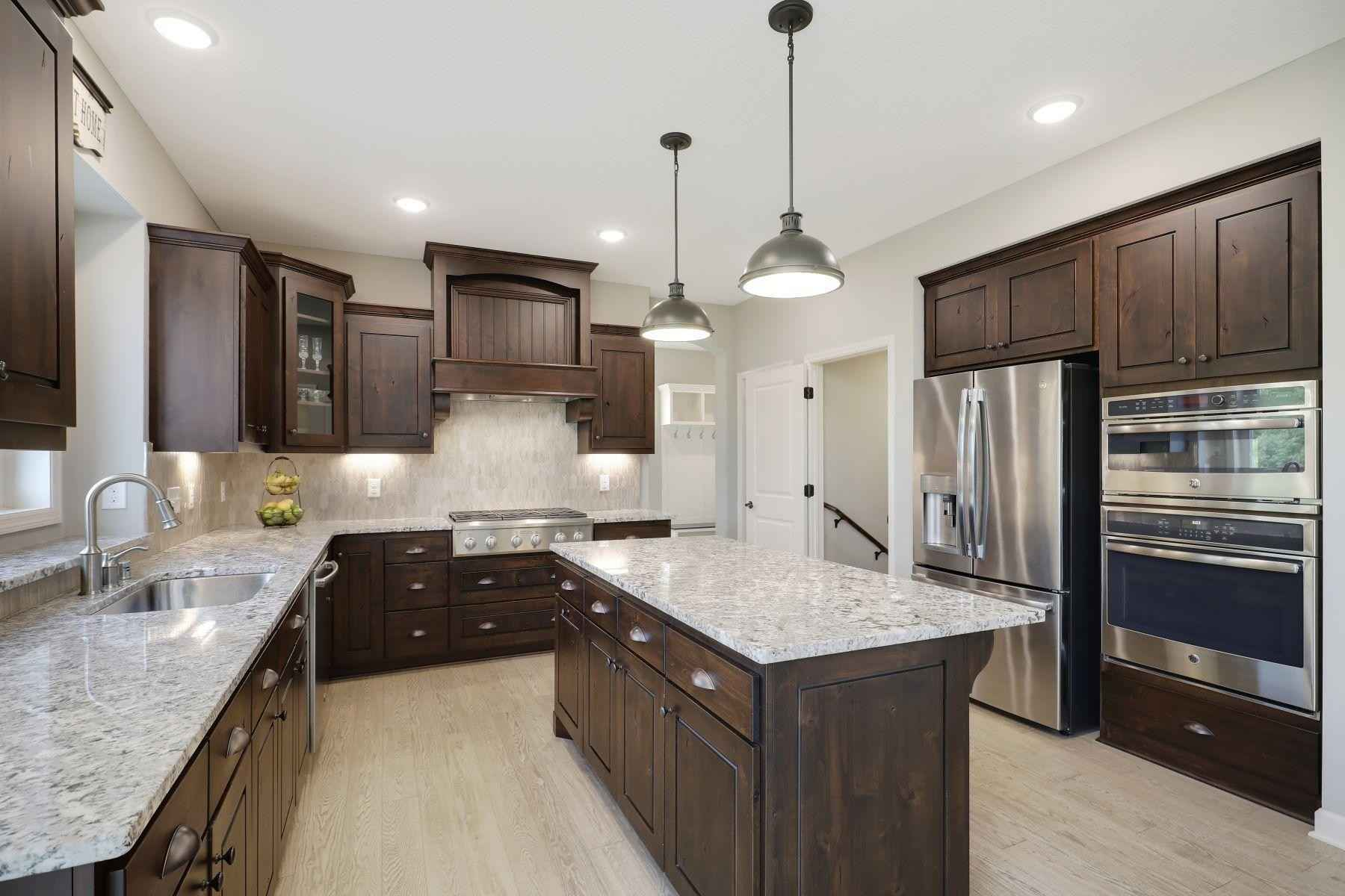 View 31 photos of this 5 bed, 4 bath, and 4,001 sqft. single_family home located at 8591 Ambergate Dr, Victoria, Minnesota 55386 is Pending for $750,000.