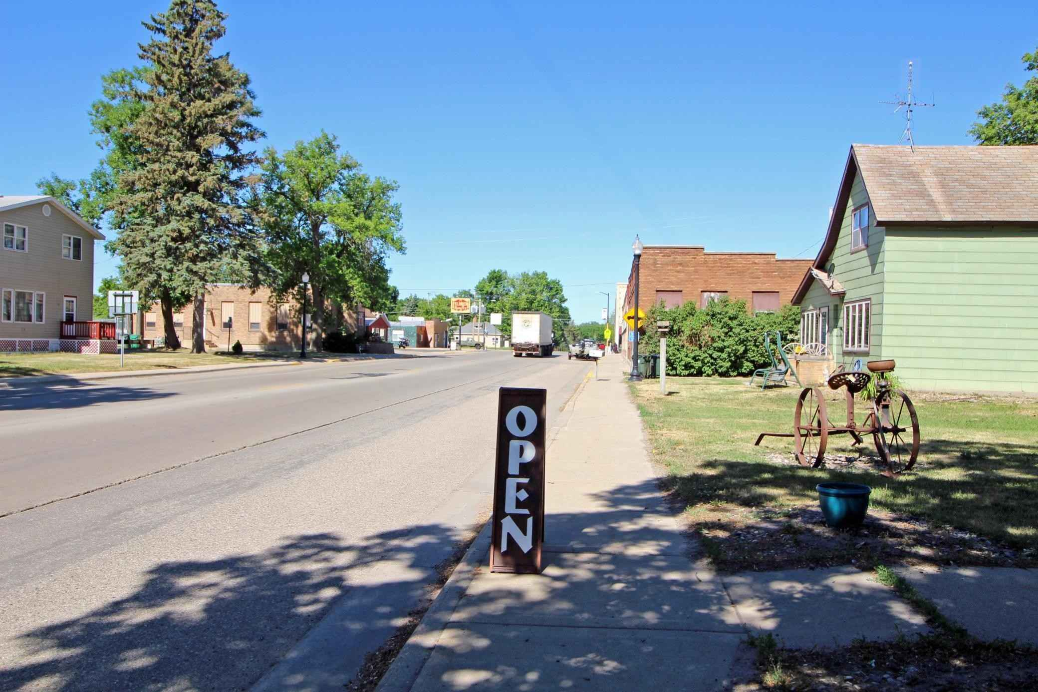 View 48 photos of this _0 bed, _0 bath, and 2,800 sqft. single_family home located at 210 E 1st Ave, Osakis, Minnesota 56360 is Active for $250,000.