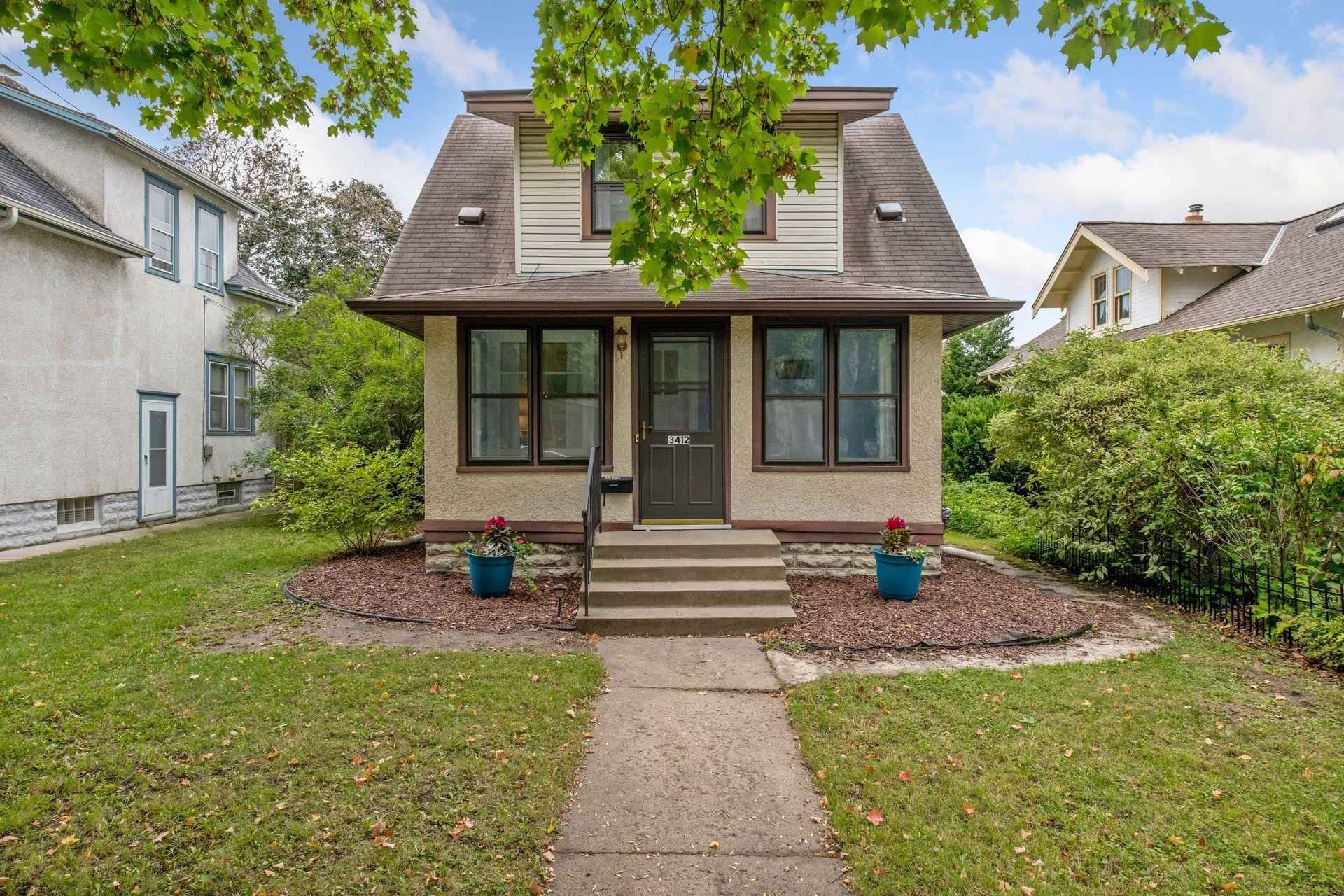 View 47 photos of this 2 bed, 2 bath, and 1,086 sqft. single_family home located at 3412 33rd Ave S, Minneapolis, Minnesota 55406 is Active for $275,000.
