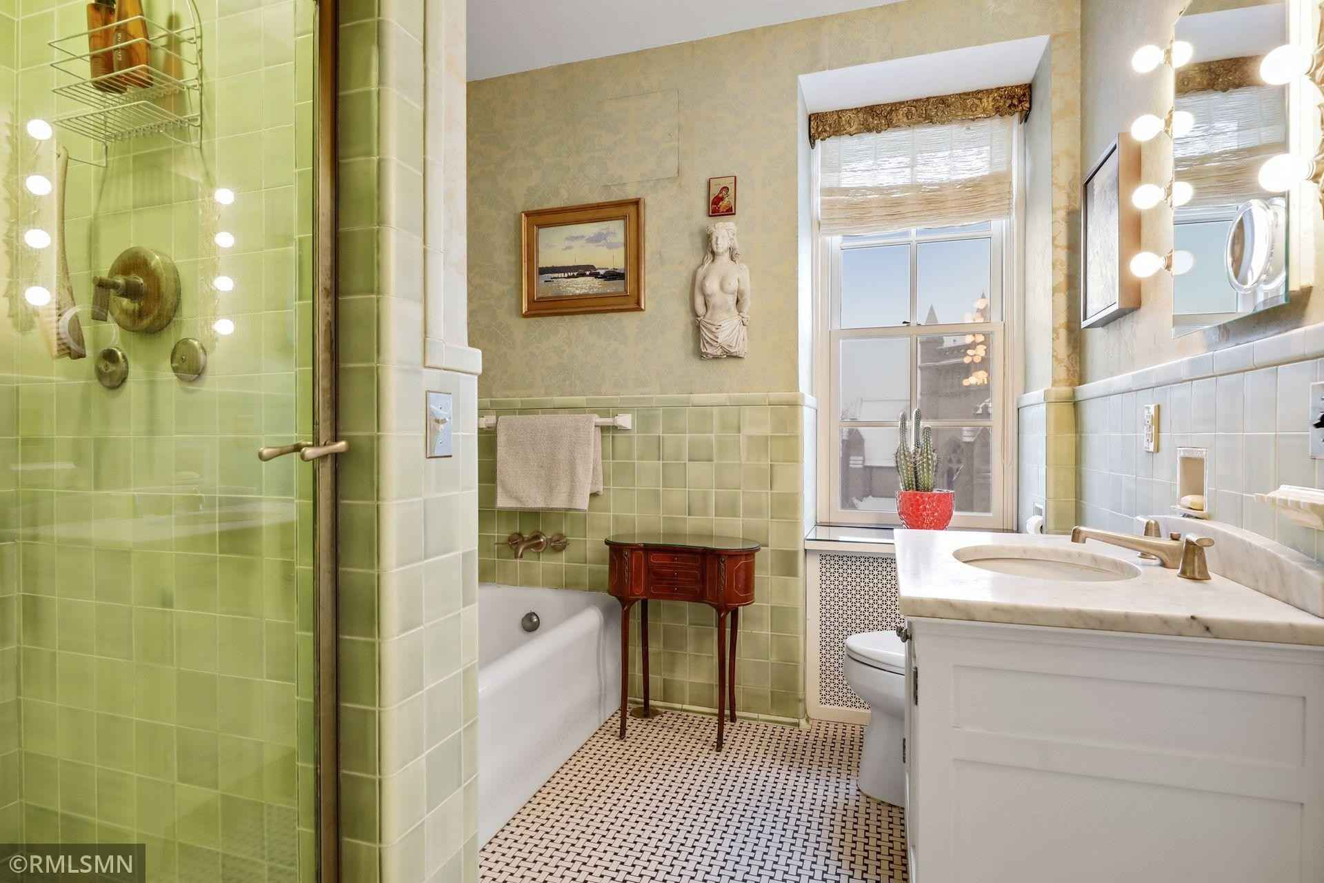 View 48 photos of this 2 bed, 2 bath, and 1,715 sqft. condo home located at 510 Groveland Ave Unit 516, Minneapolis, Minnesota 55403 is Active for $650,000.