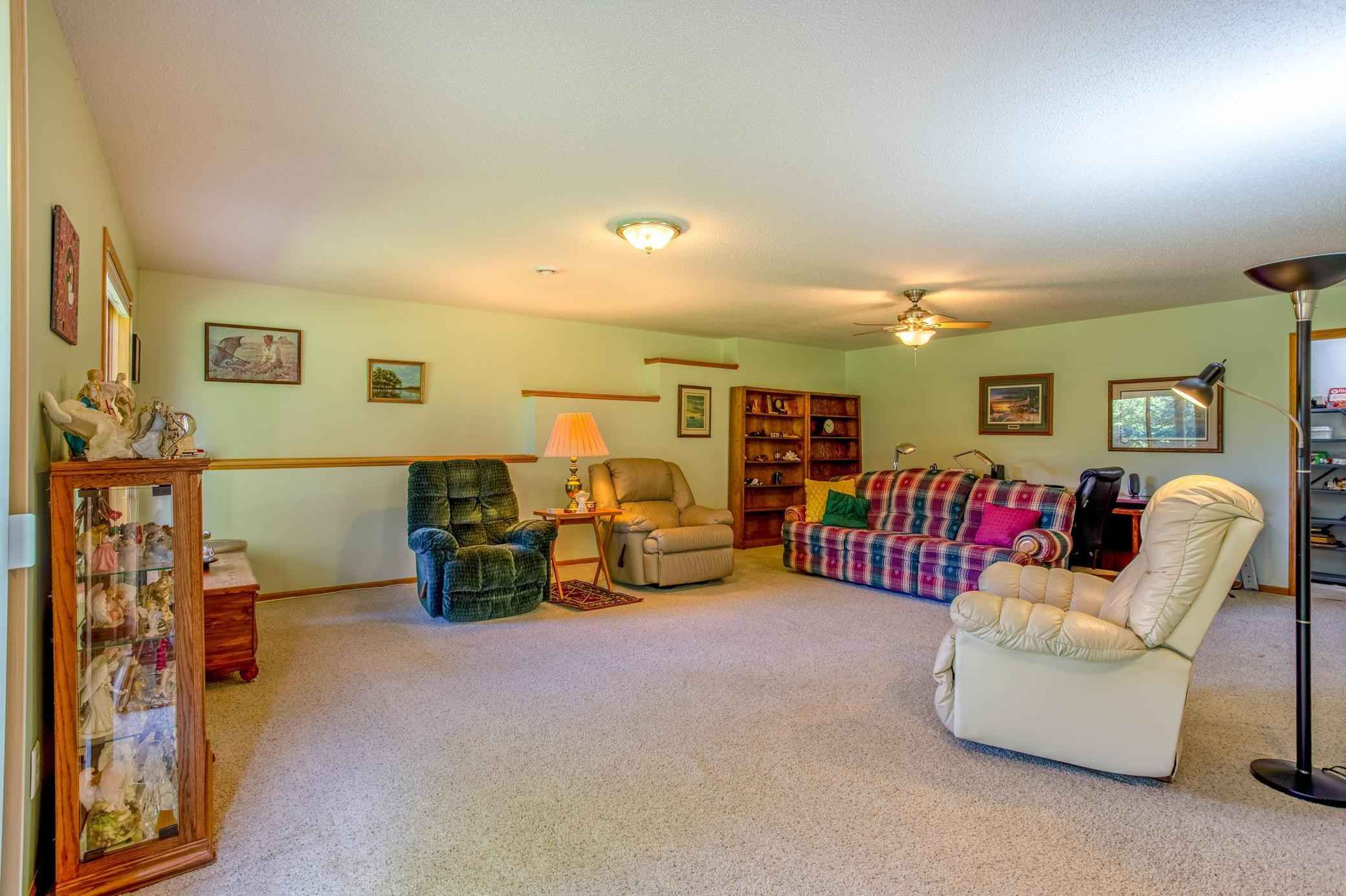 View 44 photos of this 3 bed, 2 bath, and 2,304 sqft. single_family home located at 1215 Blossom Blvd NW, Isanti, Minnesota 55040 is Pending for $285,000.