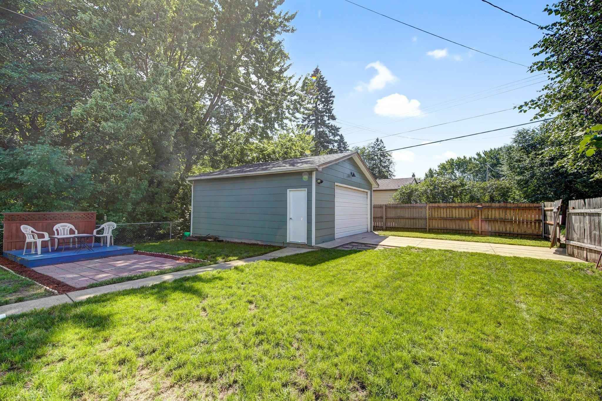 View 34 photos of this 2 bed, 1 bath, and 1,227 sqft. single_family home located at 3801 Boardman St, Minneapolis, Minnesota 55417 is Pending for $275,000.