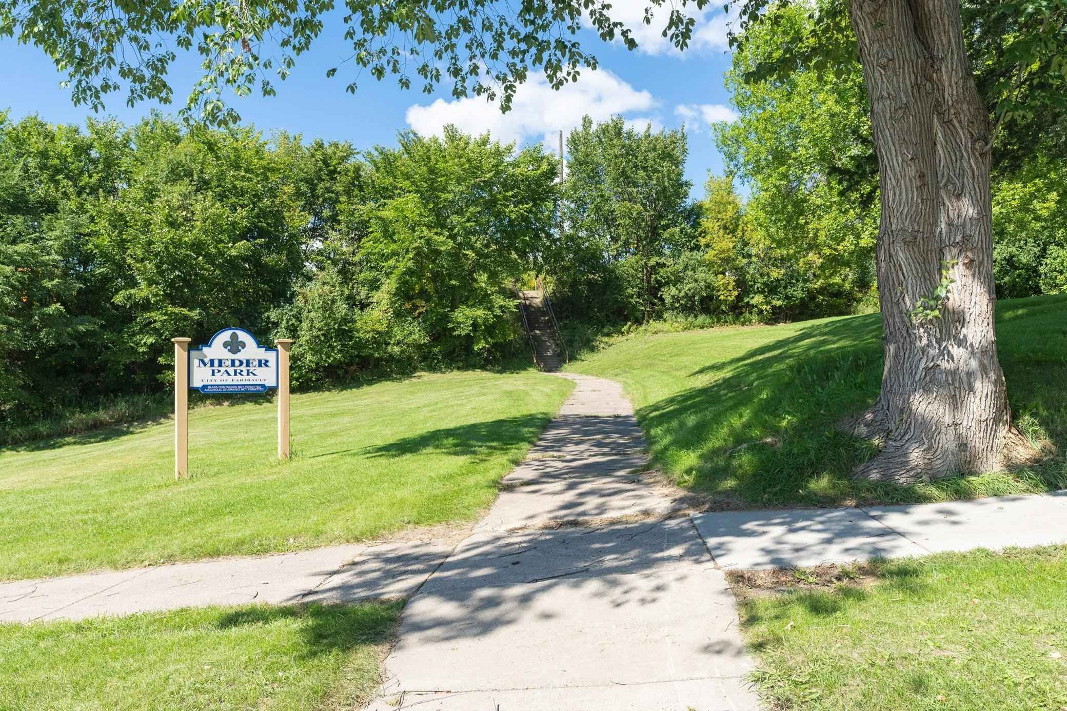 View 33 photos of this 3 bed, 2 bath, and 2,080 sqft. single_family home located at 3 Mott Ave SE, Faribault, Minnesota 55021 is Active for $225,000.