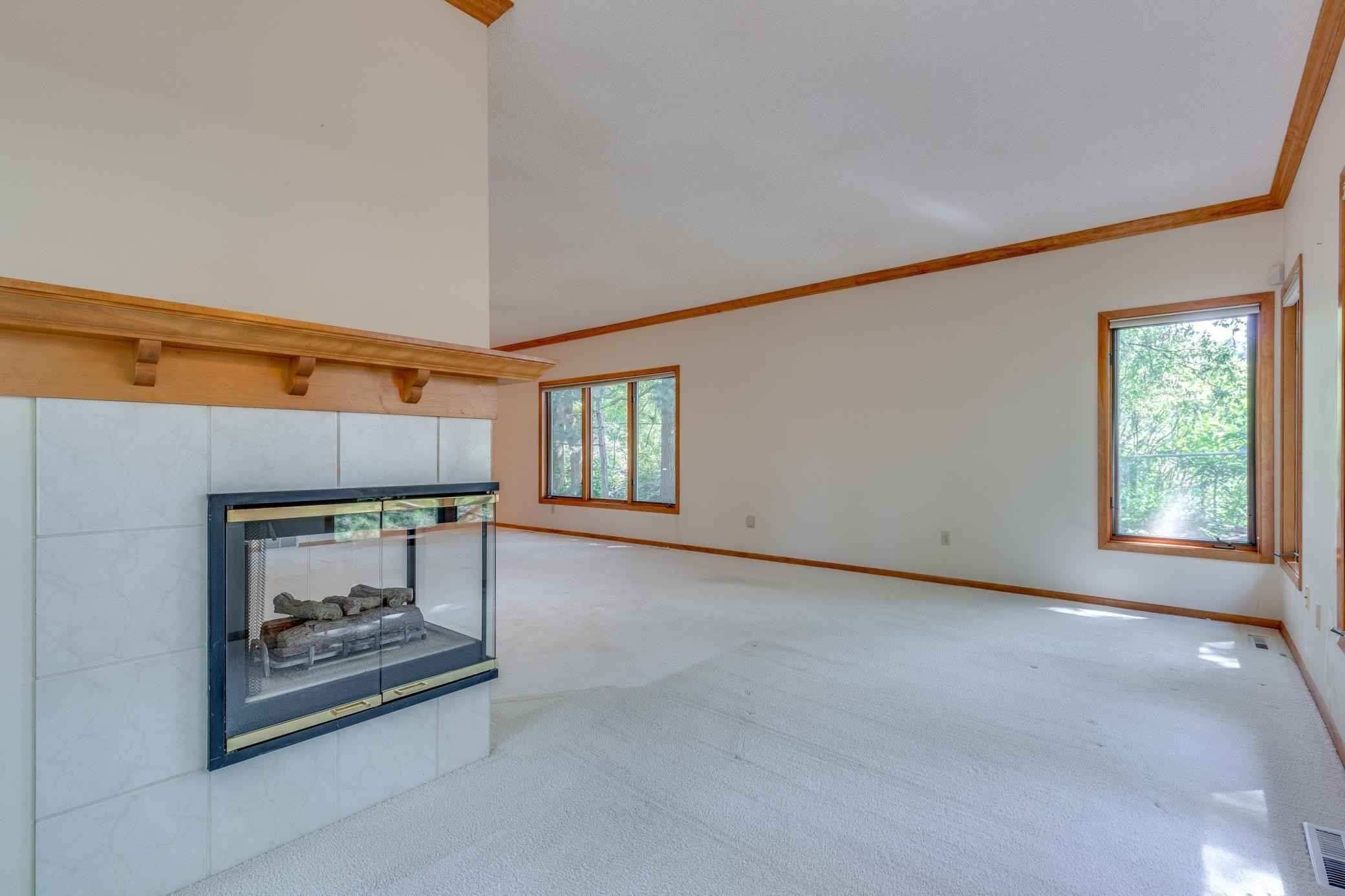View 38 photos of this 2 bed, 3 bath, and 3,388 sqft. condo home located at 1900 Victoria Rd S Apt C, Mendota Heights, Minnesota 55118 is Active for $350,000.