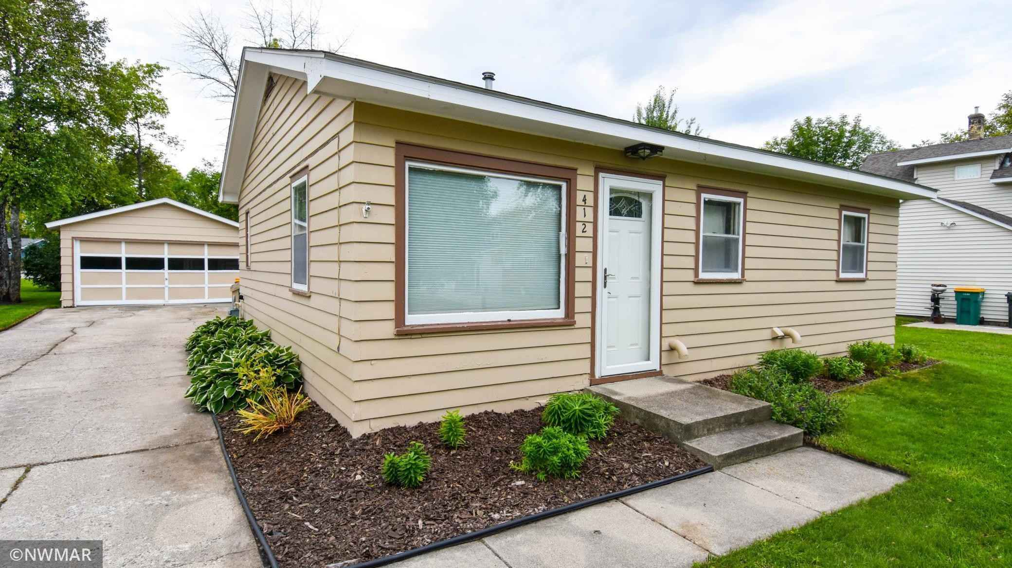 View 33 photos of this 2 bed, 1 bath, and 924 sqft. single_family home located at 412 E Prairie Ave, Warren, Minnesota 56762 is Active for $84,500.